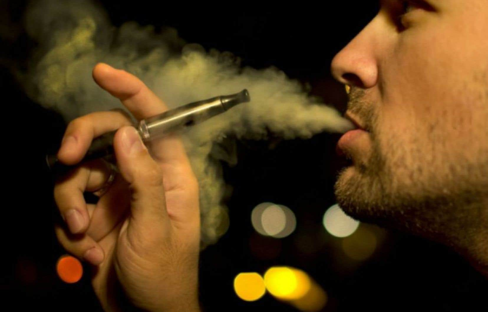 une tude d montre la nocivit de la cigarette lectronique pour la bouche le devoir. Black Bedroom Furniture Sets. Home Design Ideas