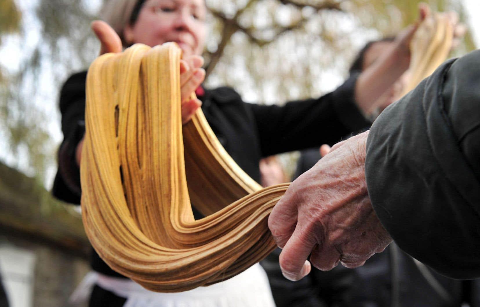 Il faut remonter aux débuts de la colonie française pour retrouver les origines de la tradition de tire à la mélasse.