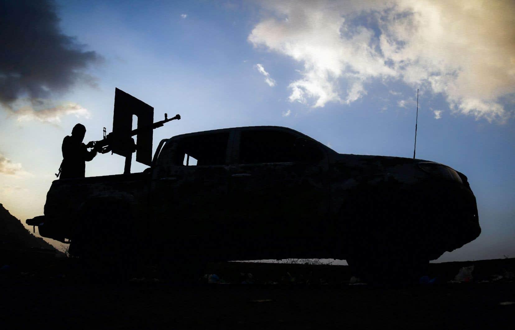 Vingt-quatre rebelles et 14 membres des forces progouvernementales ont été tués au cours des dernières 24 heures dans des combats.