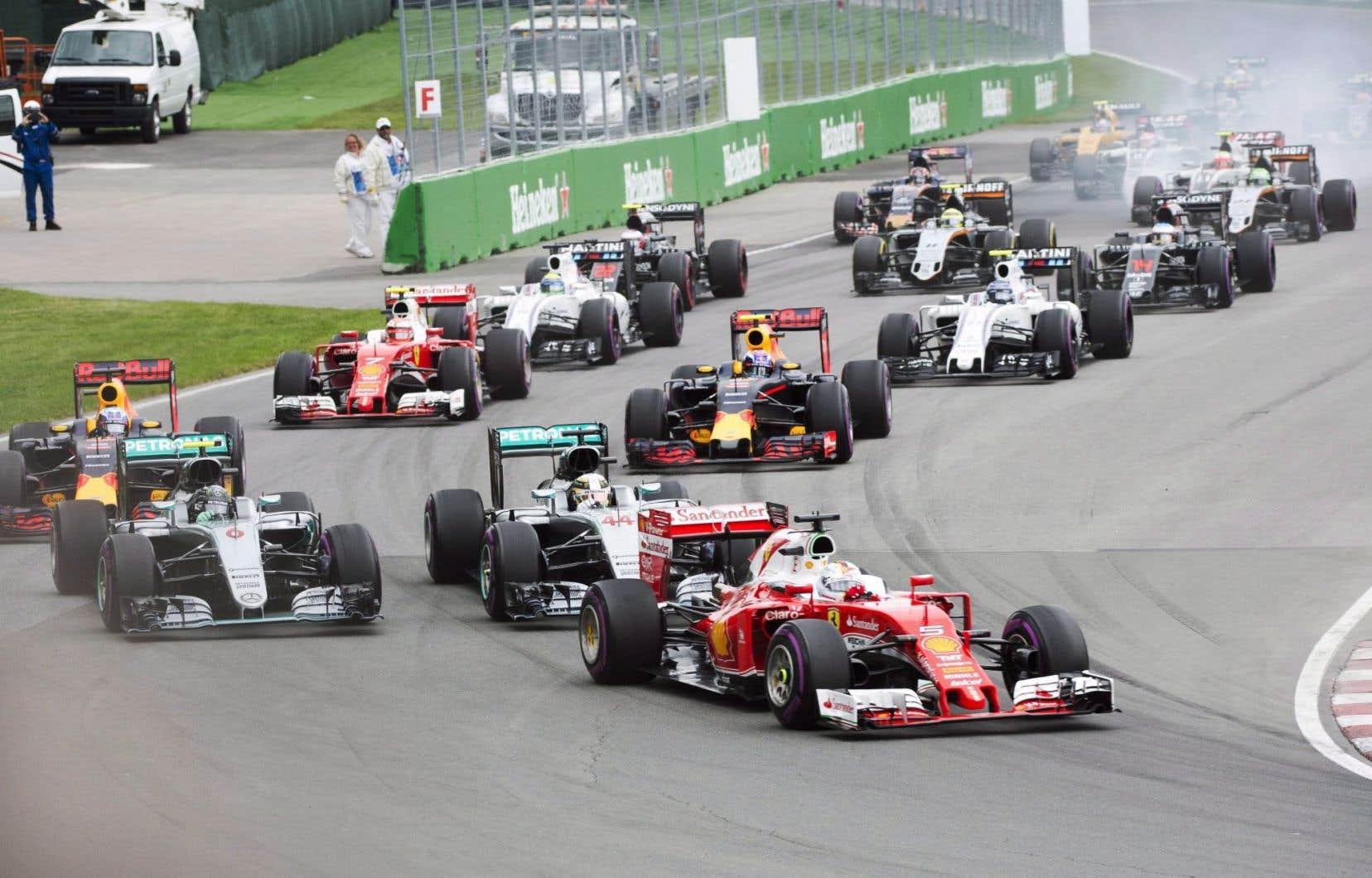 «La Formule 1 est extrêmement importante pour moi. Ça fait partie des grands événements incontournables qui font de Montréal la métropole qu'elle est», a affirmé le maire Denis Coderre.