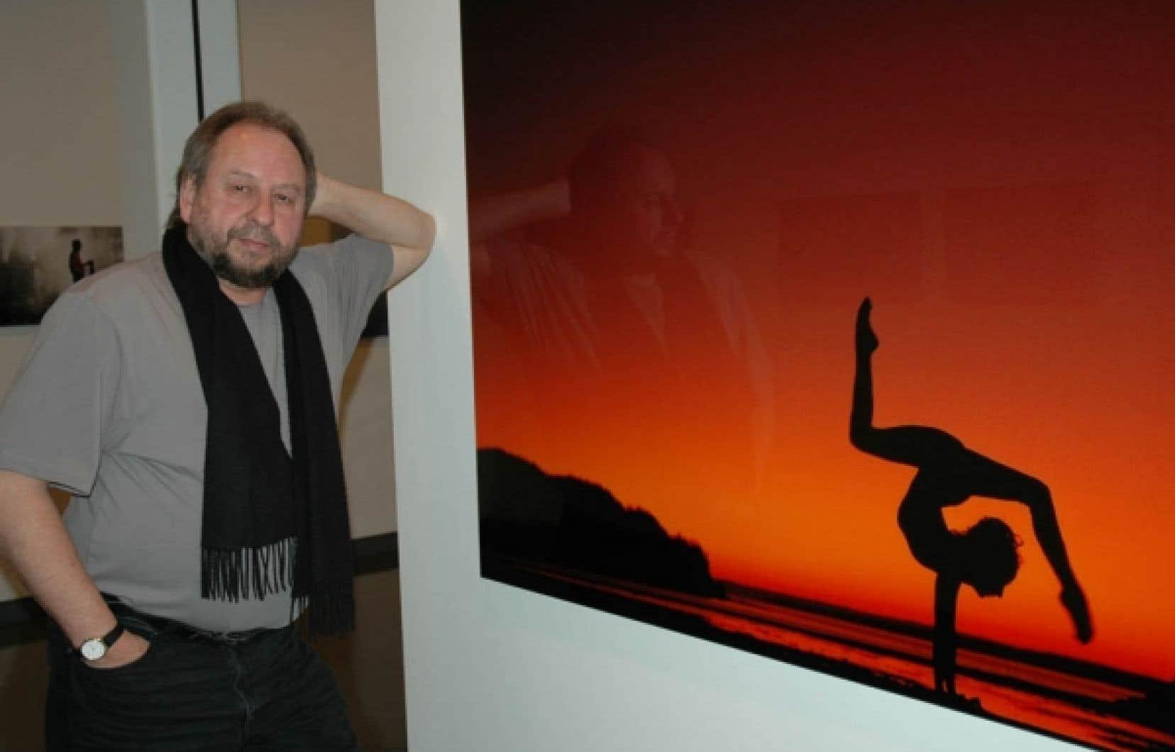 Le photographe Michel Dompierre présente une cinquantaine de ses œuvres au Musée régional de Rimouski.
