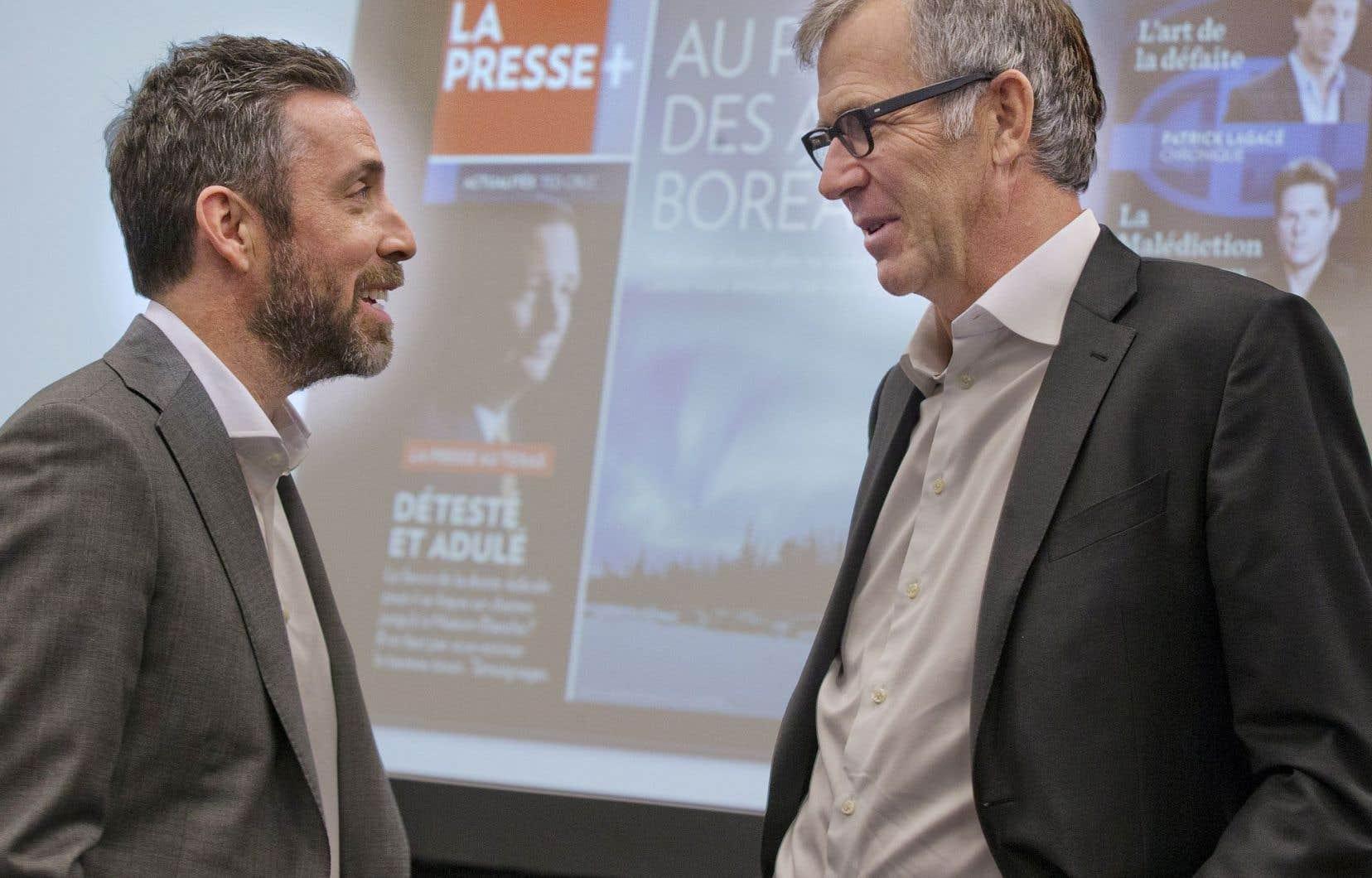 Changement de garde au quotidien de la rue Saint-Jacques: Pierre-Elliott Levasseur (à gauche) succède à Guy Crevier.