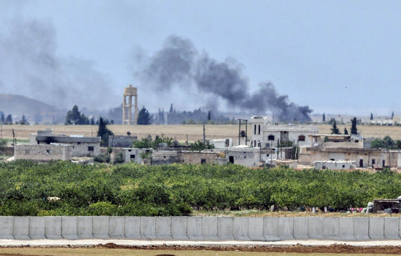 Les trois déserteurs du groupe EI ont été interceptés à la frontière entre la Syrie et la Turquie.