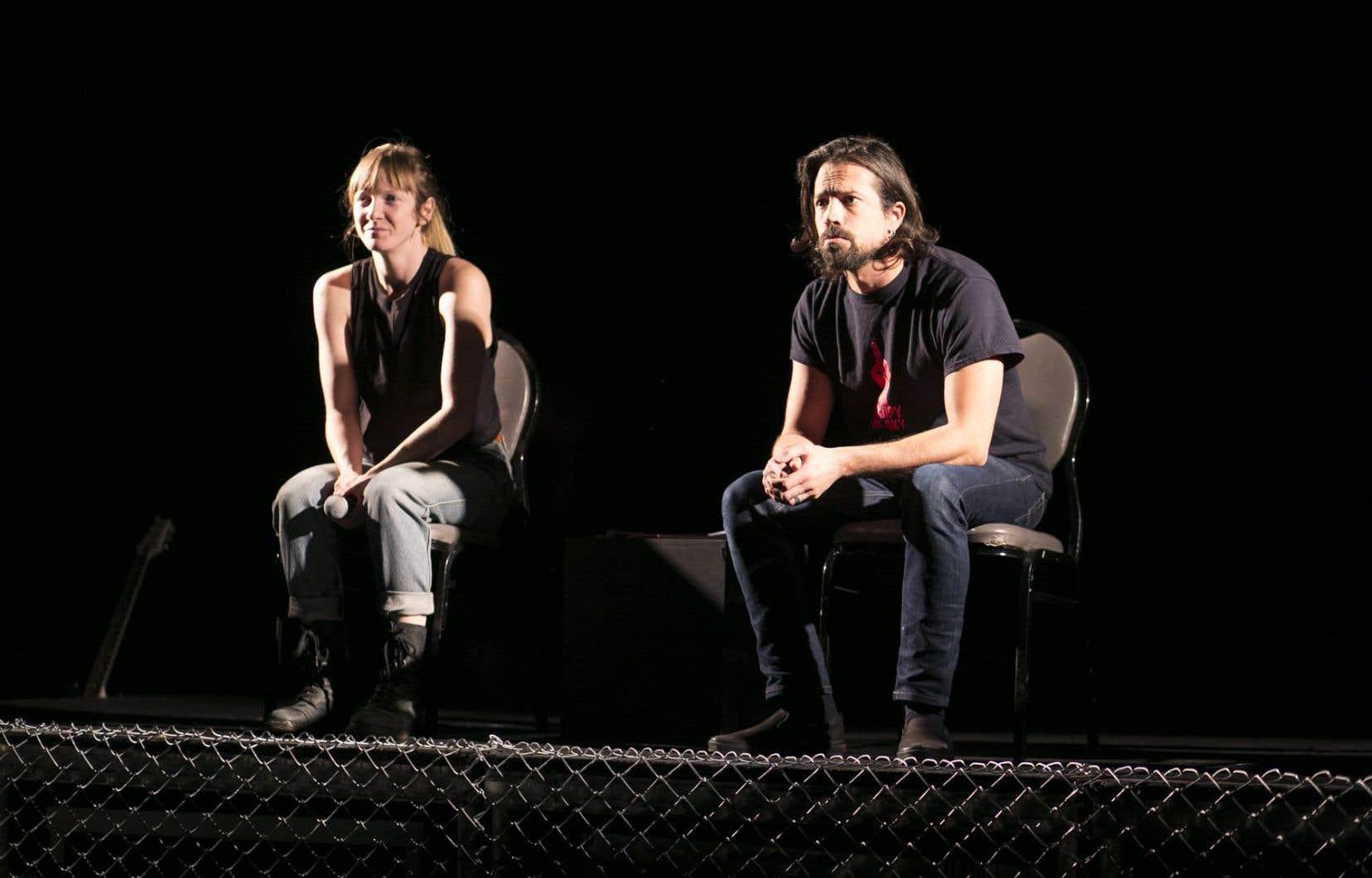 Mathieu Campagna et Catherine Dorion, d'une présence forte, sans artifice aucun, prêtent leur voix à des billets de blogue triés sur le volet.