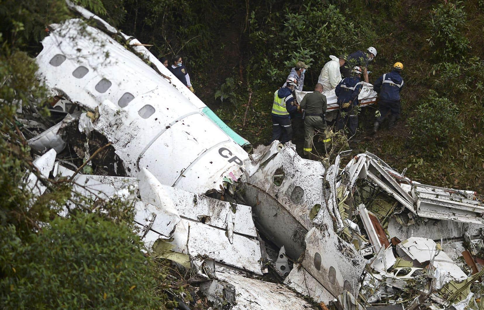 L'écrasement du vol LMI 2933 dans les montagnes colombiennes a tué 71 personnes, dont la presque totalité de l'équipe de football brésilienne de Chapecoense.