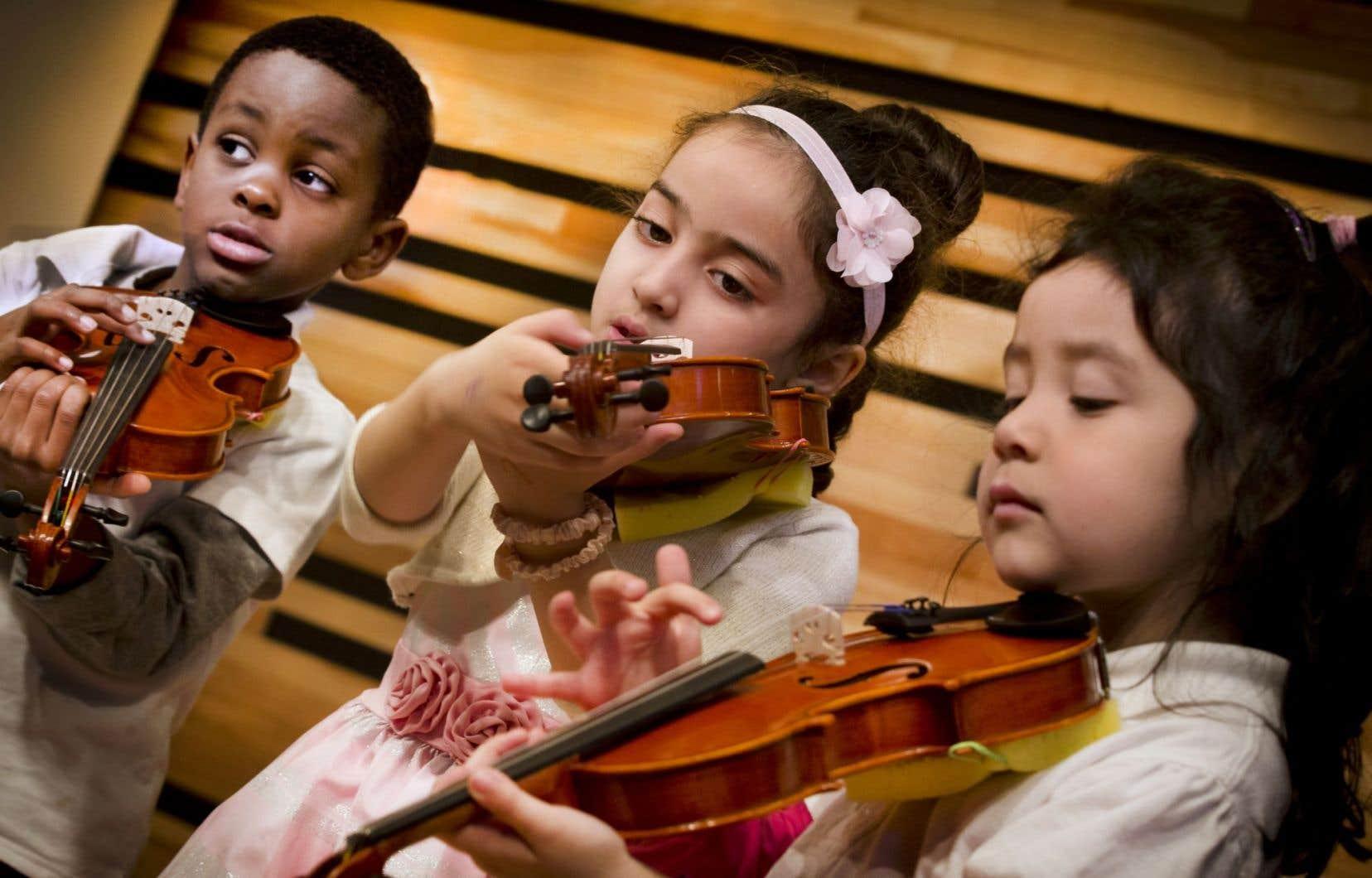 Les enfants apprendront le chant rythmique, le violon et le piano, en plus d'être jumelés à un musicien de l'OSM qui sera leur mentor.