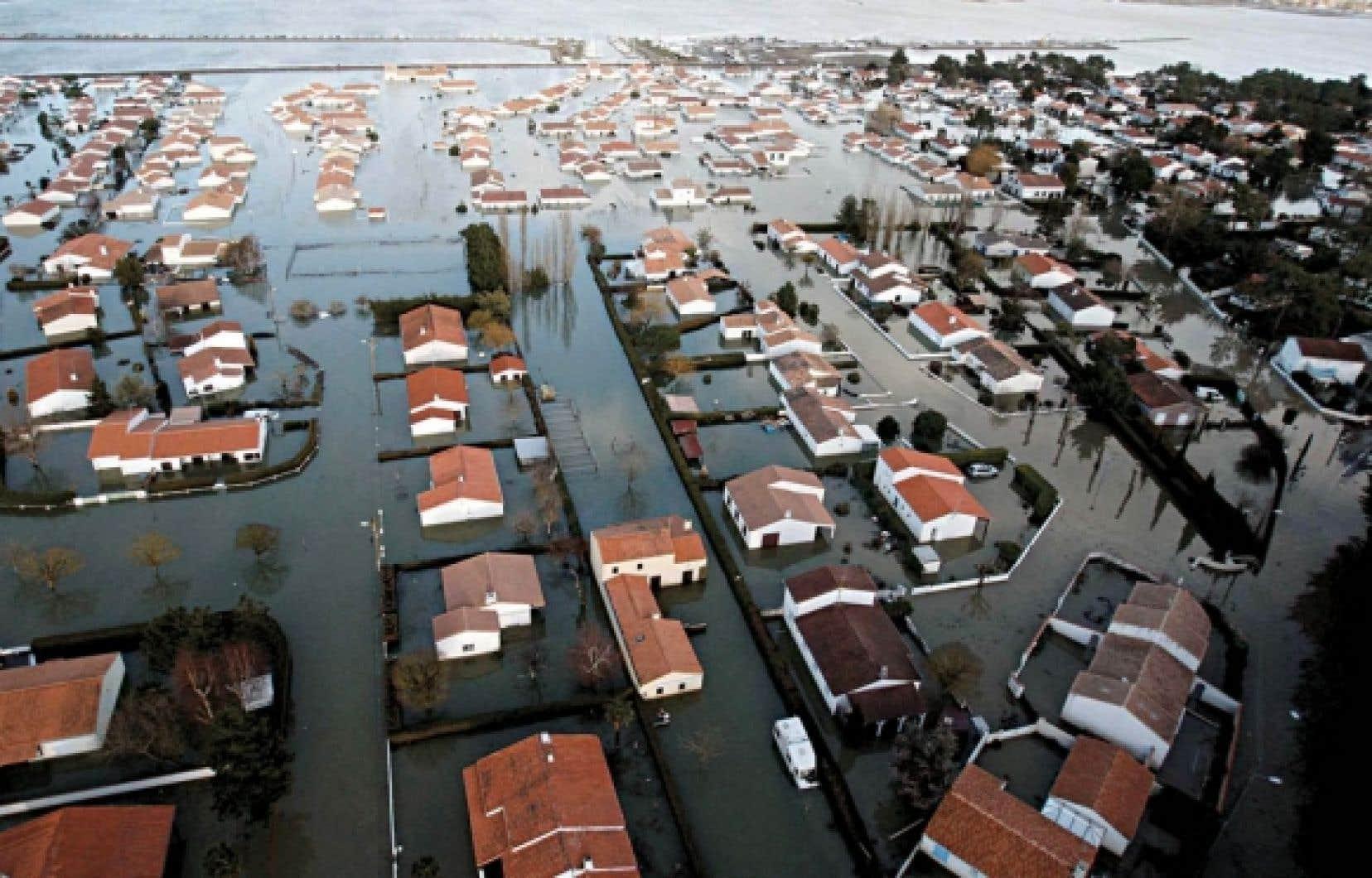 Une vue aérienne de la dévastation après le passage de la tempête Xynthia à La-Faute-sur-Mer, en Vendée.