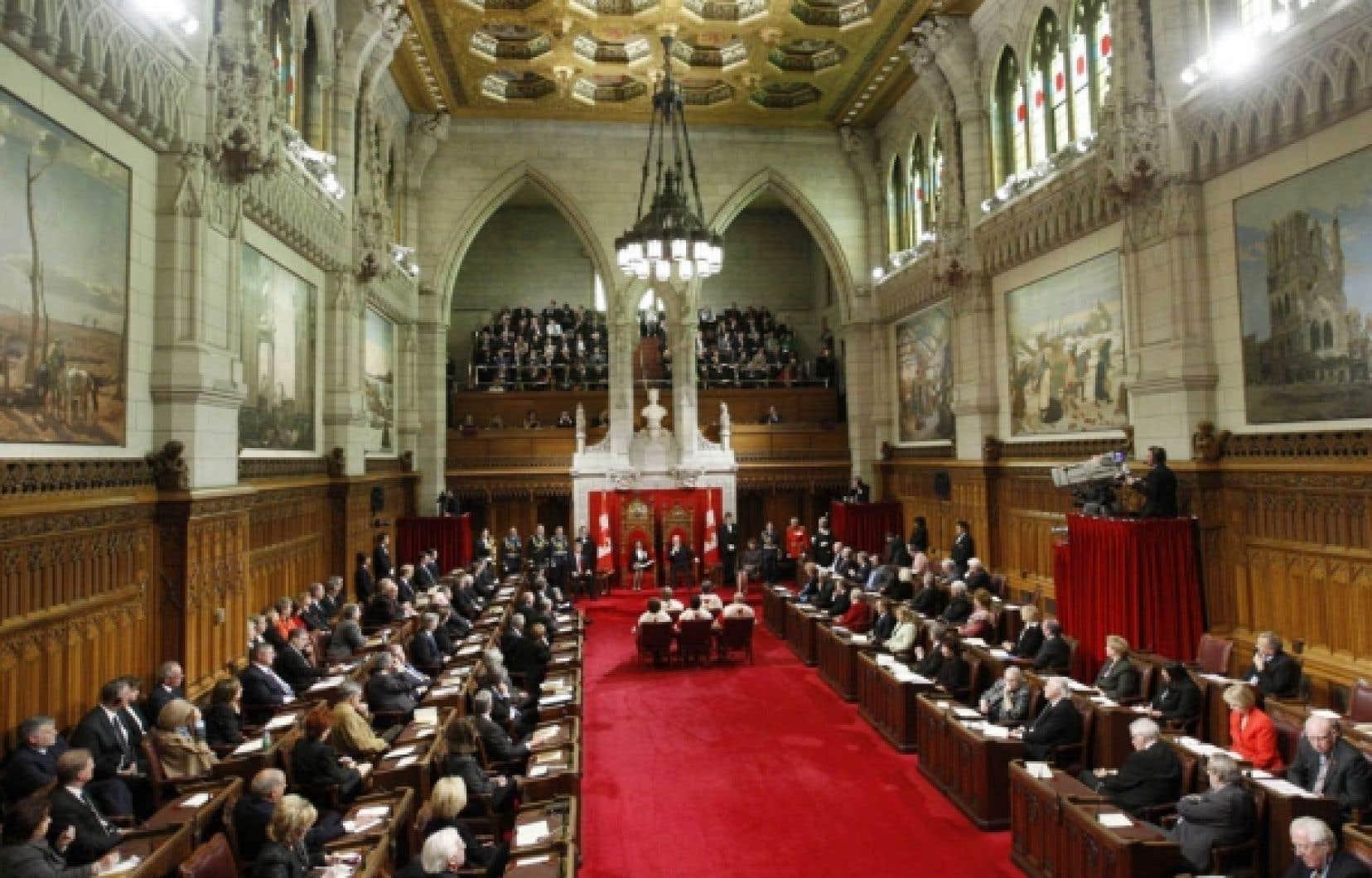 La gouverneure générale Michaëlle Jean a livré le discours du Trône, hier, au Sénat. Les partis d'opposition l'ont critiqué notamment sur les enjeux de l'environnement, de la crise de l'emploi et du vieillissement de la population.