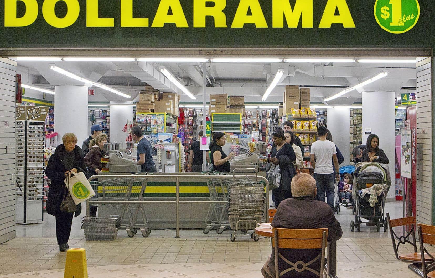 Dollarama exploite 1069 magasins au Canada.