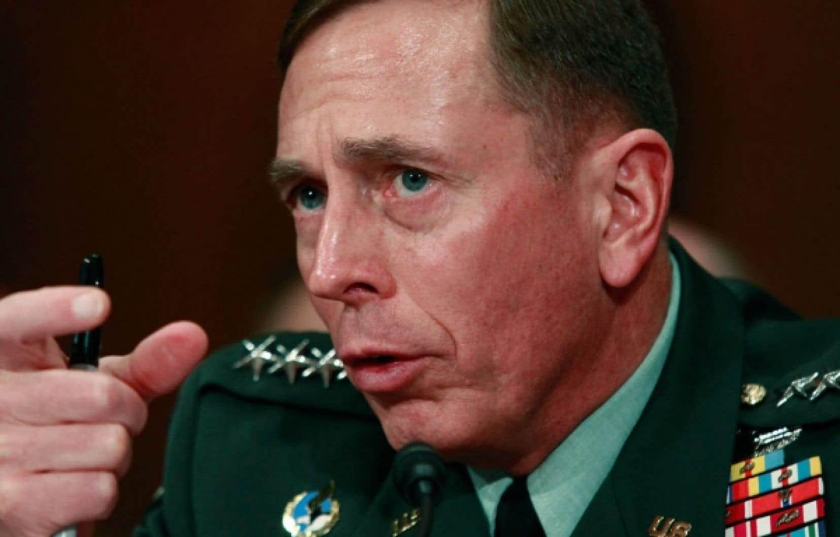 Le général américain David Petraeus était de passage à Ottawa hier. «Même si on tue une dizaine de talibans dans une opération, si on tue un seul civil, on vient de se créer plus de problèmes.»