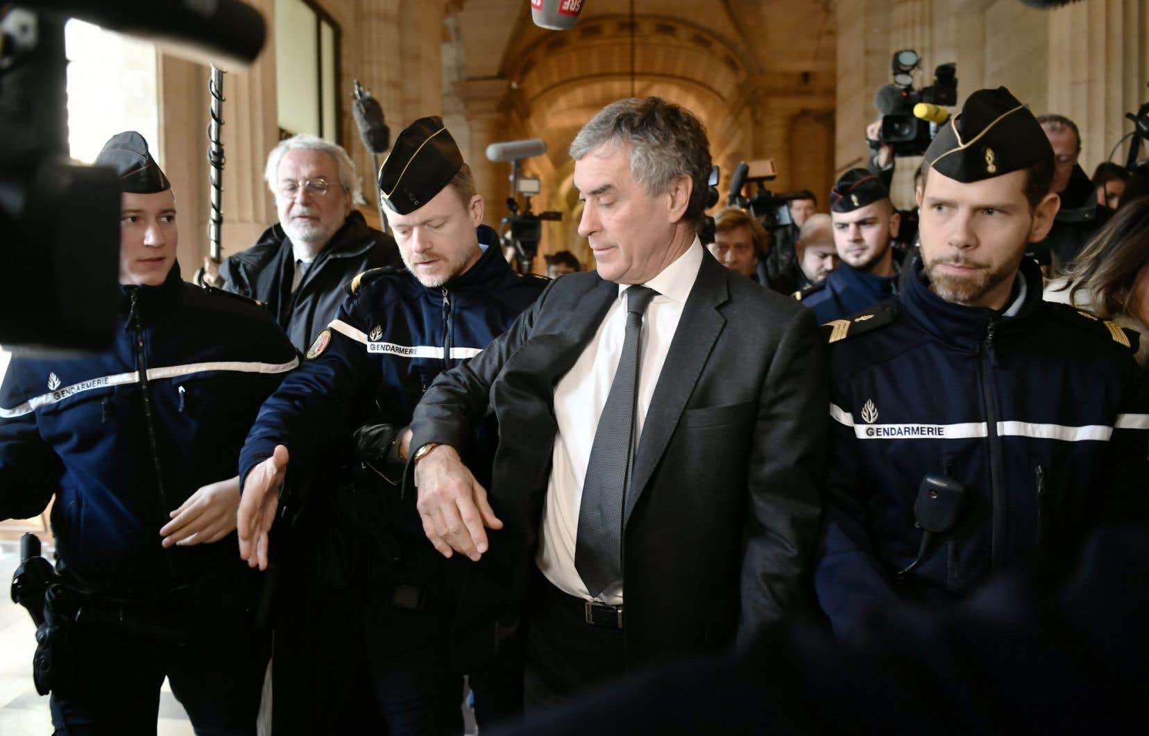 L'ex-ministre du Budget Jérôme Cahuzac à été condamné pour fraude fiscale et blanchiment.