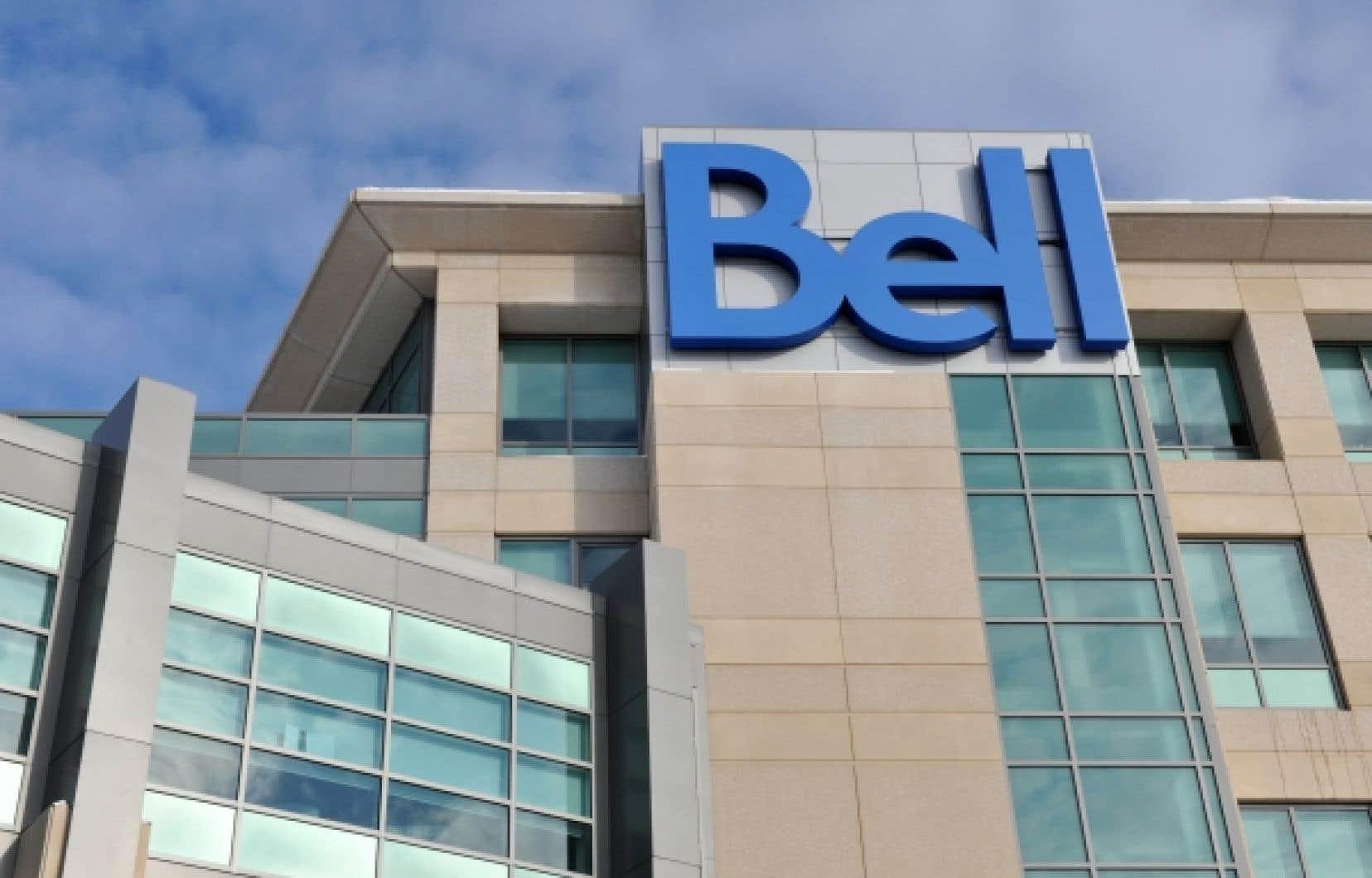 Chez Bell, le vice-président des affaires réglementaires et gouvernementales ne pouvait pas dire si l'entreprise était pour  ou contre la propriété étrangère tant que le gouvernement ne présentait pas une proposition concrète.