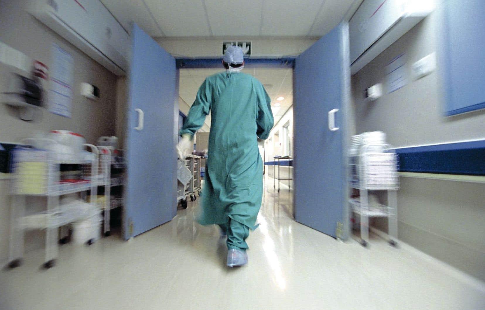 Le ministère de la Santé a exhorté les établissements de santé à cesser d'utiliser le protoxyde d'azote, un gaz anesthésiant.
