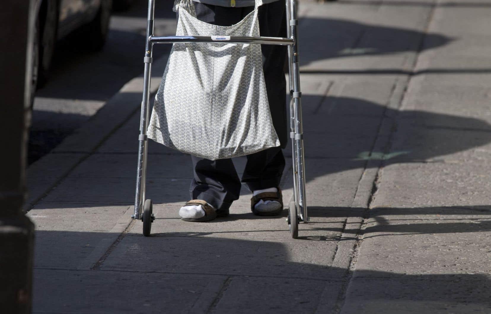 «Les personnes qui reçoivent de l'aide sociale sont des êtres humains dignes de respect», écrivent les auteurs.