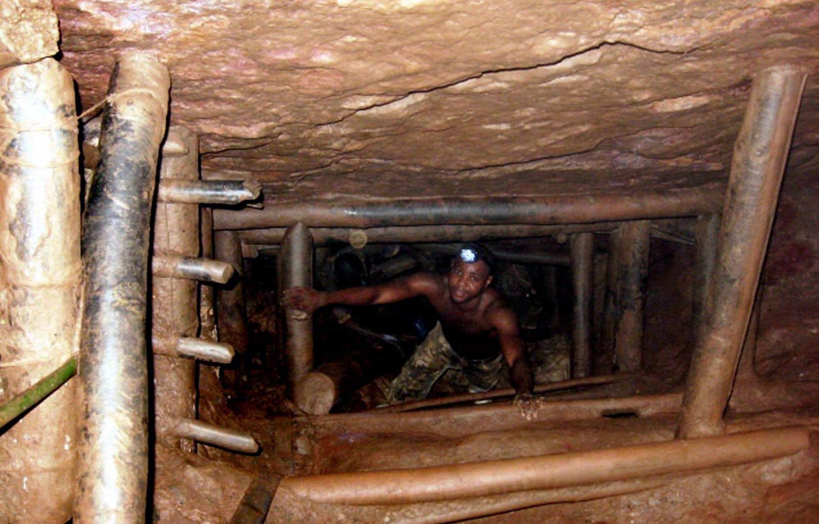 Les mineurs clandestins pullulent sur les sites miniers de la République démocratique du Congo.