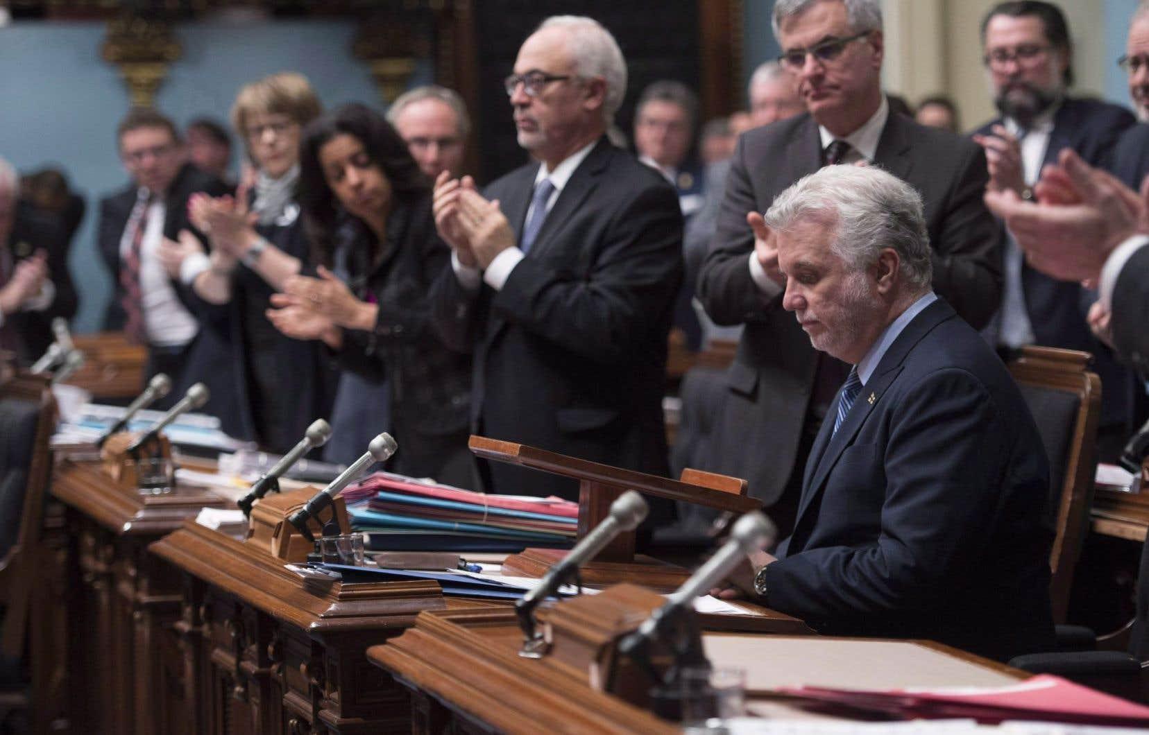 L'écart de rémunération entre directeurs et directrices de cabinet du gouvernement Couillard atteint environ 12 %, en moyenne.