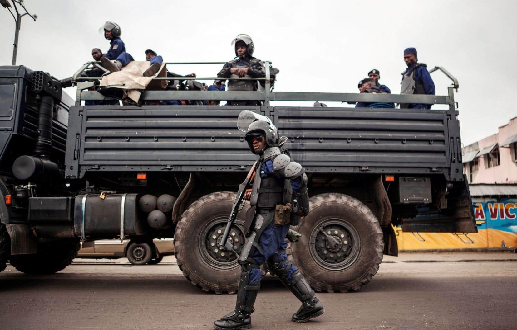 La RDC traverse une crise politique profonde depuis la réélection de Joseph Kabila en novembre 2011 lors d'un scrutin marqué par des fraudes massives.