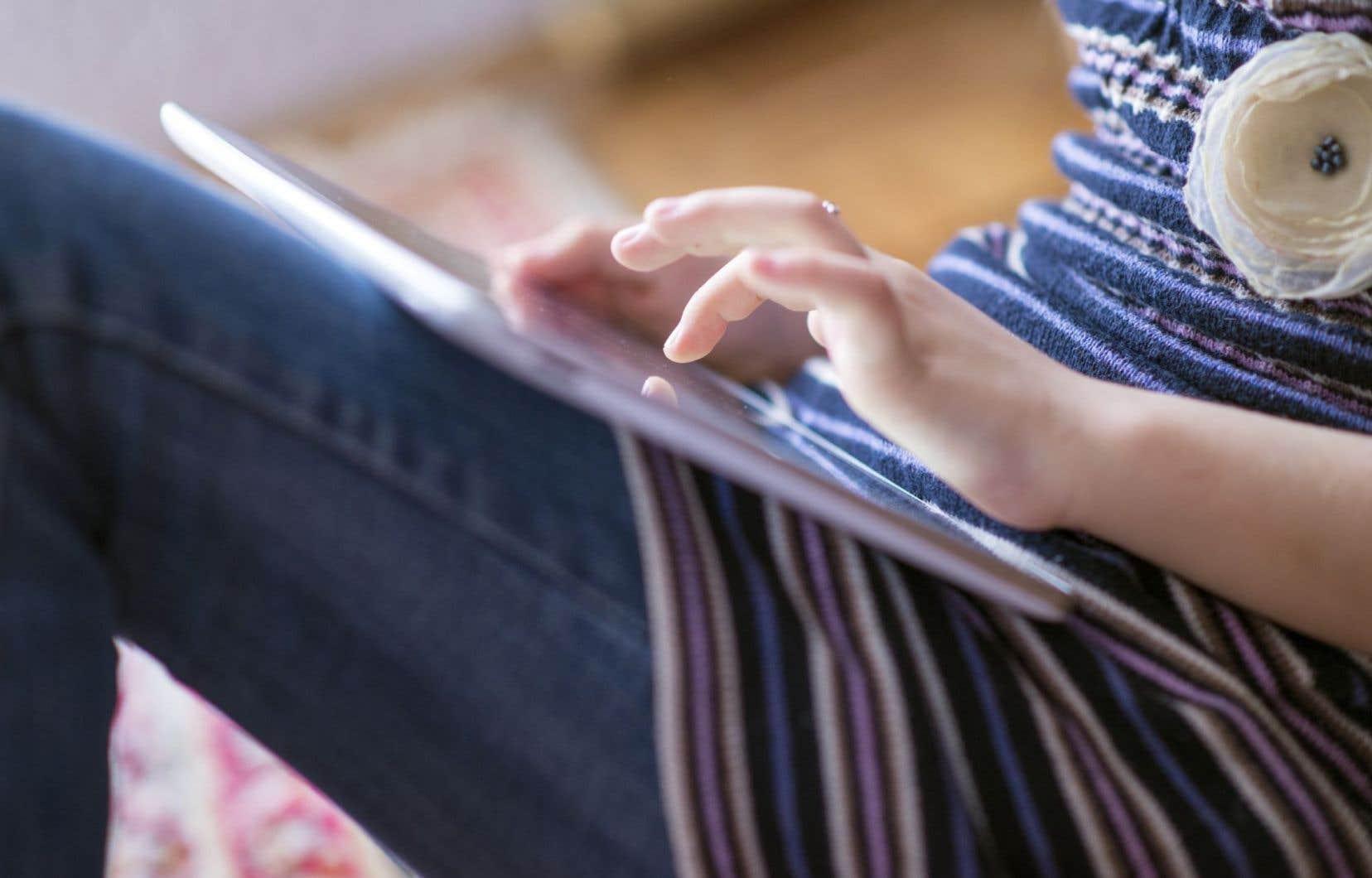 Le groupe des 15-29ans était plus susceptible que d'autres de subir la victimisation en ligne.