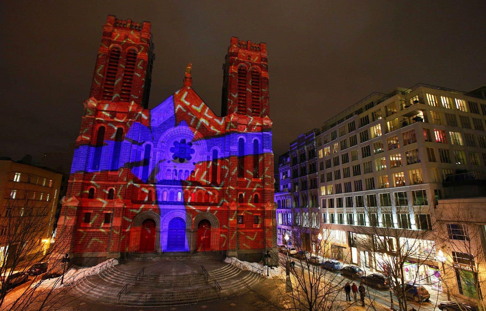 L'église Saint-Roch, à Québec, se donne des airs de fête.