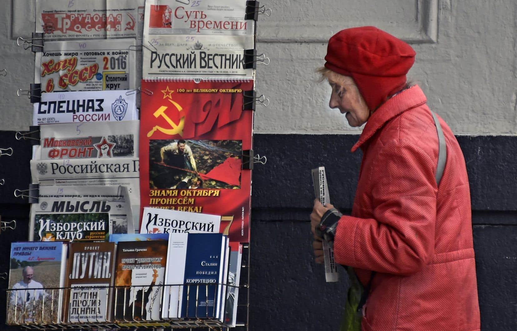Des journaux communistes sont encore vendus dans les rues de Moscou.