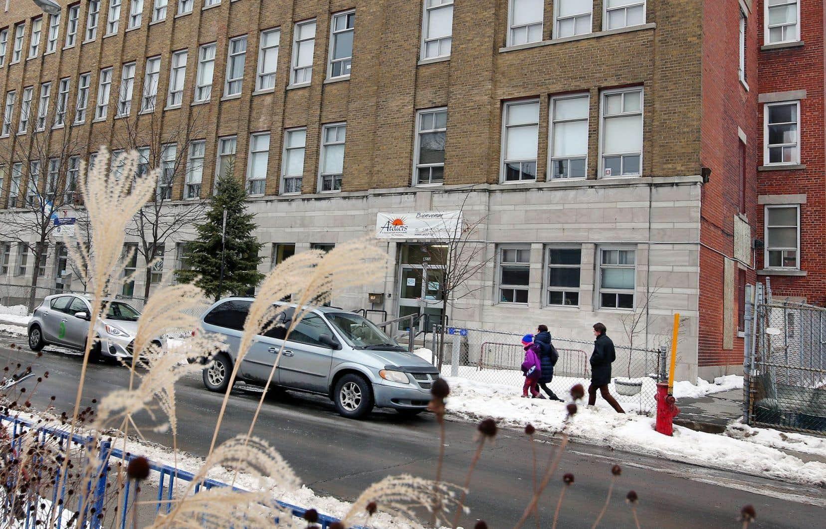 La CSDM a communiqué aux Ateliers d'éducation populaire du Plateau (AEPP) qu'elle devra reprendre «deux ou trois locaux» dans l'immeuble qu'occupe l'organisme, au 4273, rue Drolet.