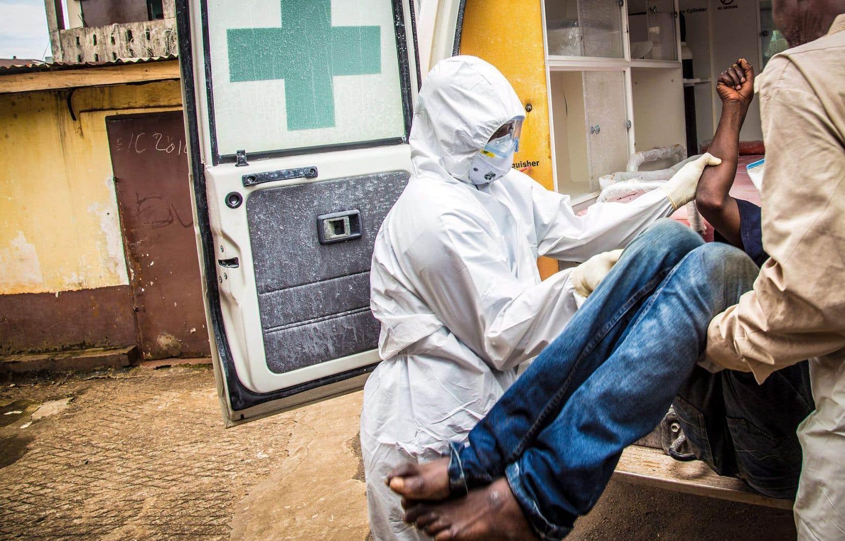 Ebola a frappé fort certains pays africains, comme la Sierra Leone (notre photo). Depuis son éruption il y a environ deux ans, le virus a causé la mort de plus de 11 300 personnes.
