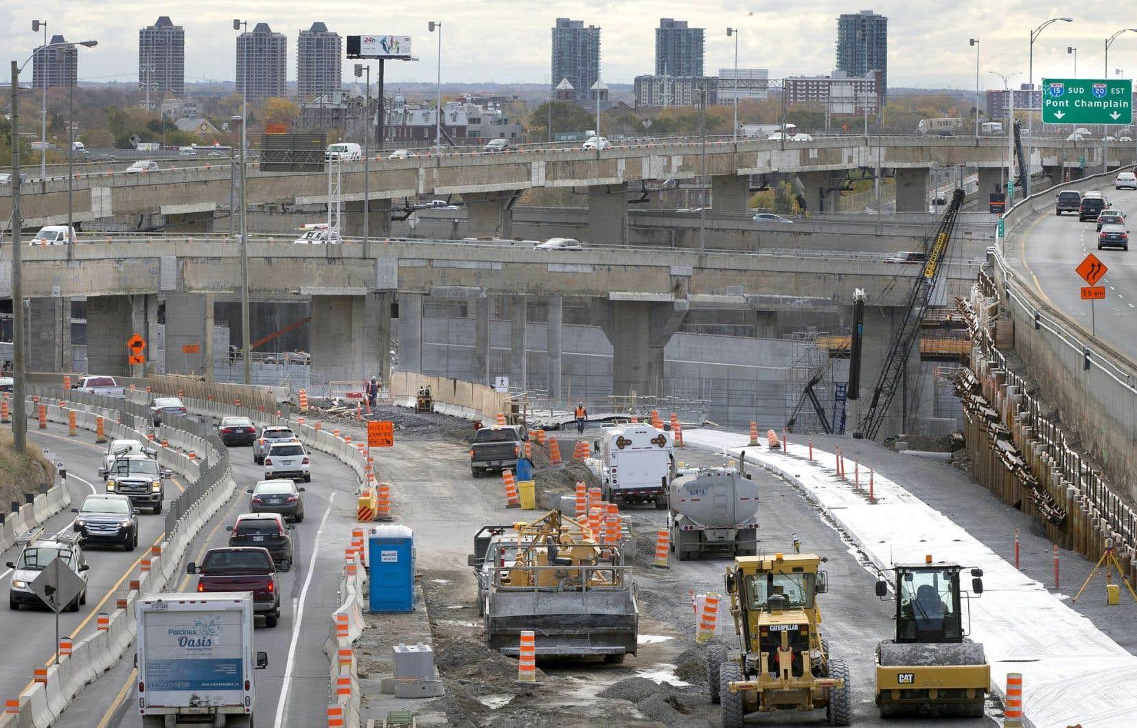 «Il y a eu un laisser-aller important au cours des dernières années [du côté des travaux de voirie], il faut maintenant le rattraper», explique Lionel Perez, le responsable des infrastructures au comité exécutif de la Ville de Montréal.