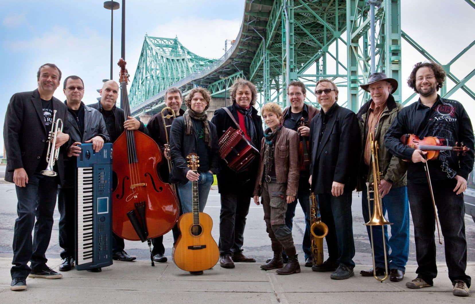 La Bottine souriante, le fameux big band qui a fait les beaux jours du temps des Fêtes à Montréal dans les années 1990