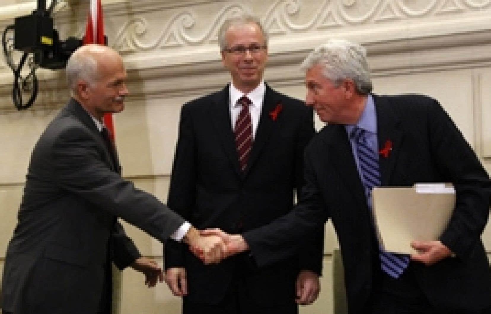Jack Layton, Stéphane Dion et Gilles Duceppe ont tenté de former une coalition gouvernementale pour chasser les conservateurs de Stephen Harper. Le chef du PCC a finalement obtenu de la gouverneure générale, Michaëlle Jean, la prorogation du Parleme