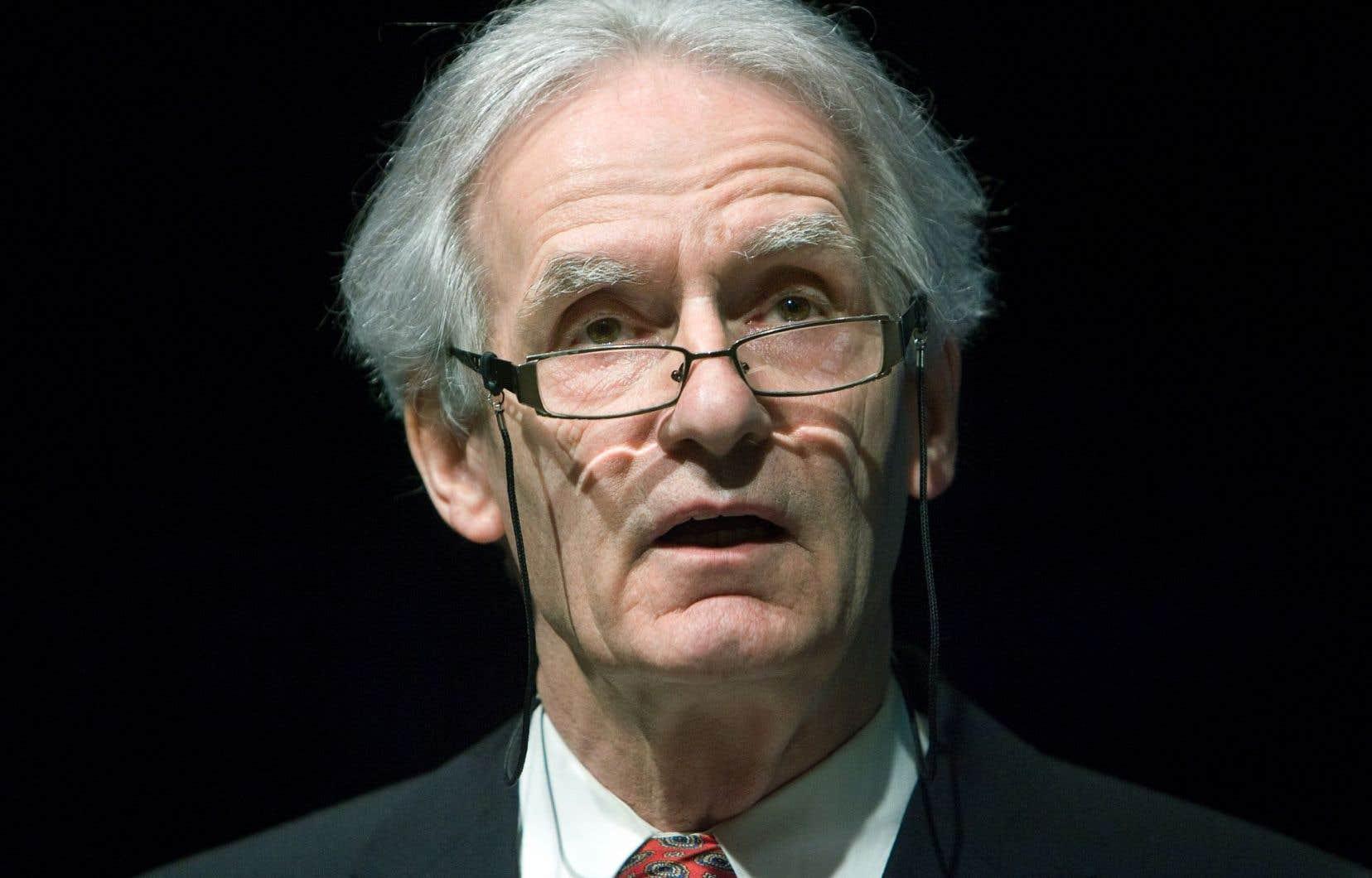 Aujourd'hui, souligne M.Bouchard, l'Union européenne éprouverait un énorme «déficit démocratique» difficile à réparer.