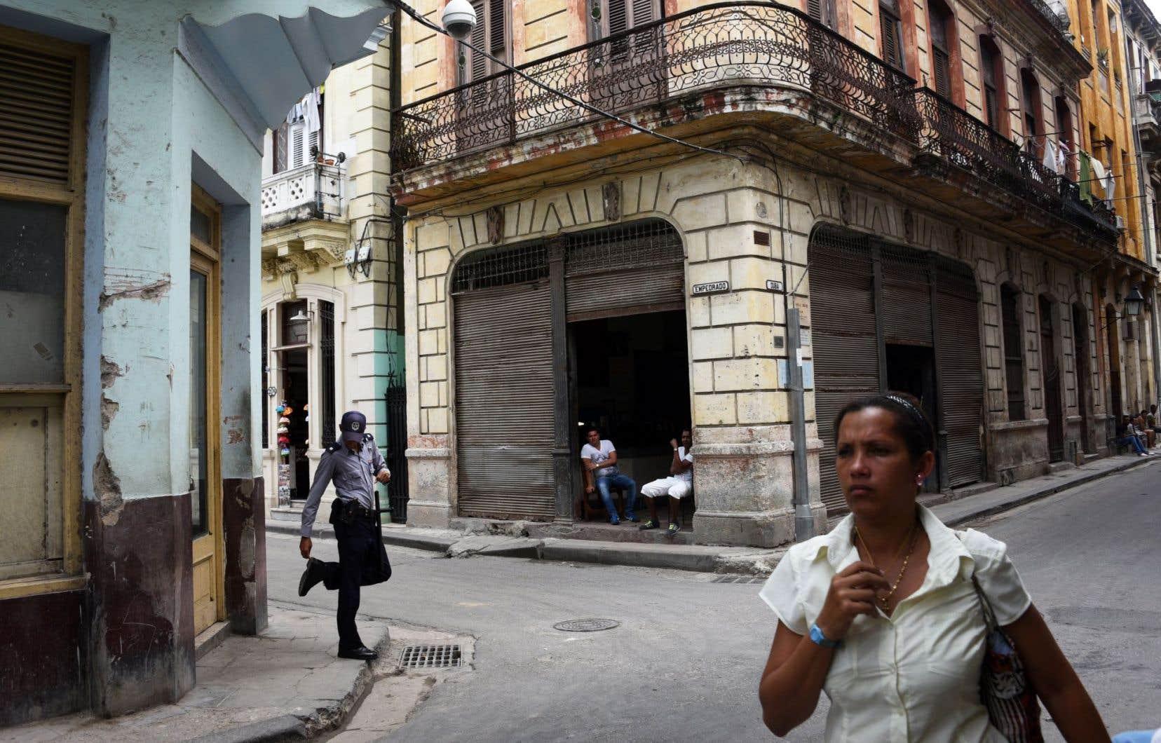 Les autorités cubaines ont désormais moins recours aux lourdes condamnations, leur préférant les détentions de moins de 48heures.