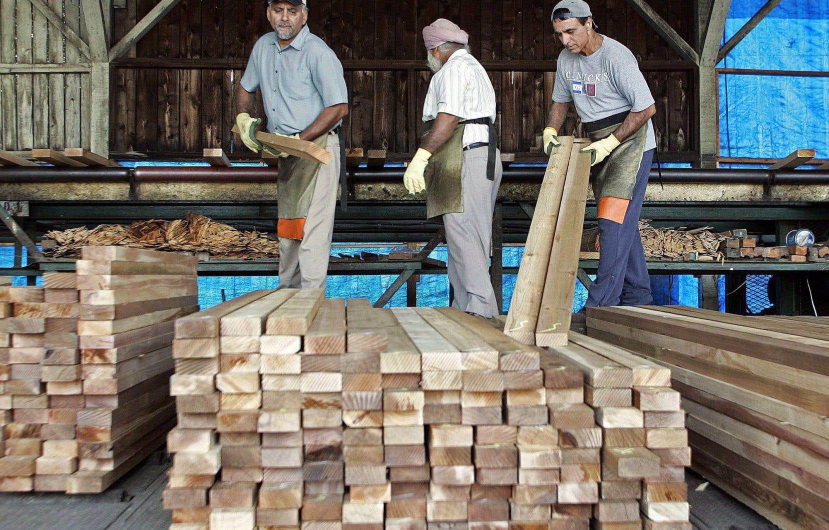 La décision de Washington de mener une enquête sur le bois d'oeuvre canadien découle de requêtes déposées en novembre dernier par la Coalition américaine du bois d'oeuvre.