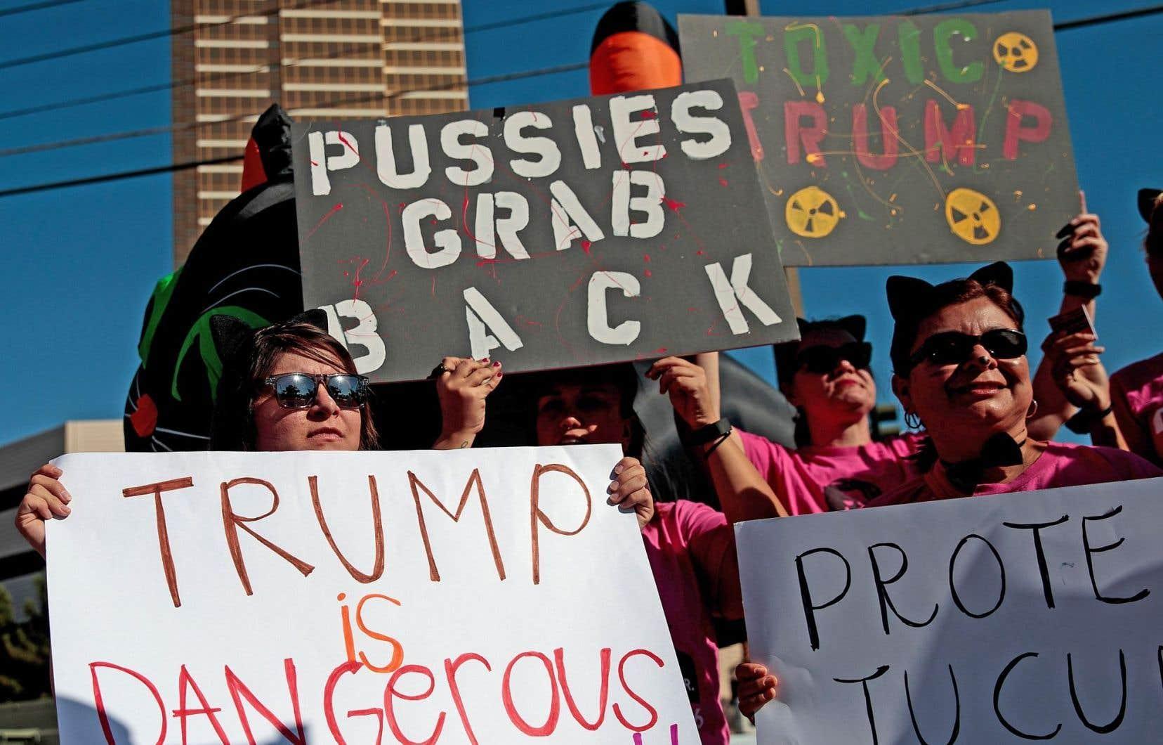Des activistes et des bénévoles du Planned Parenthood de Las Vegas s'étaient réunis en octobre pour s'opposer aux propos du candidat républicain, Donald Trump.