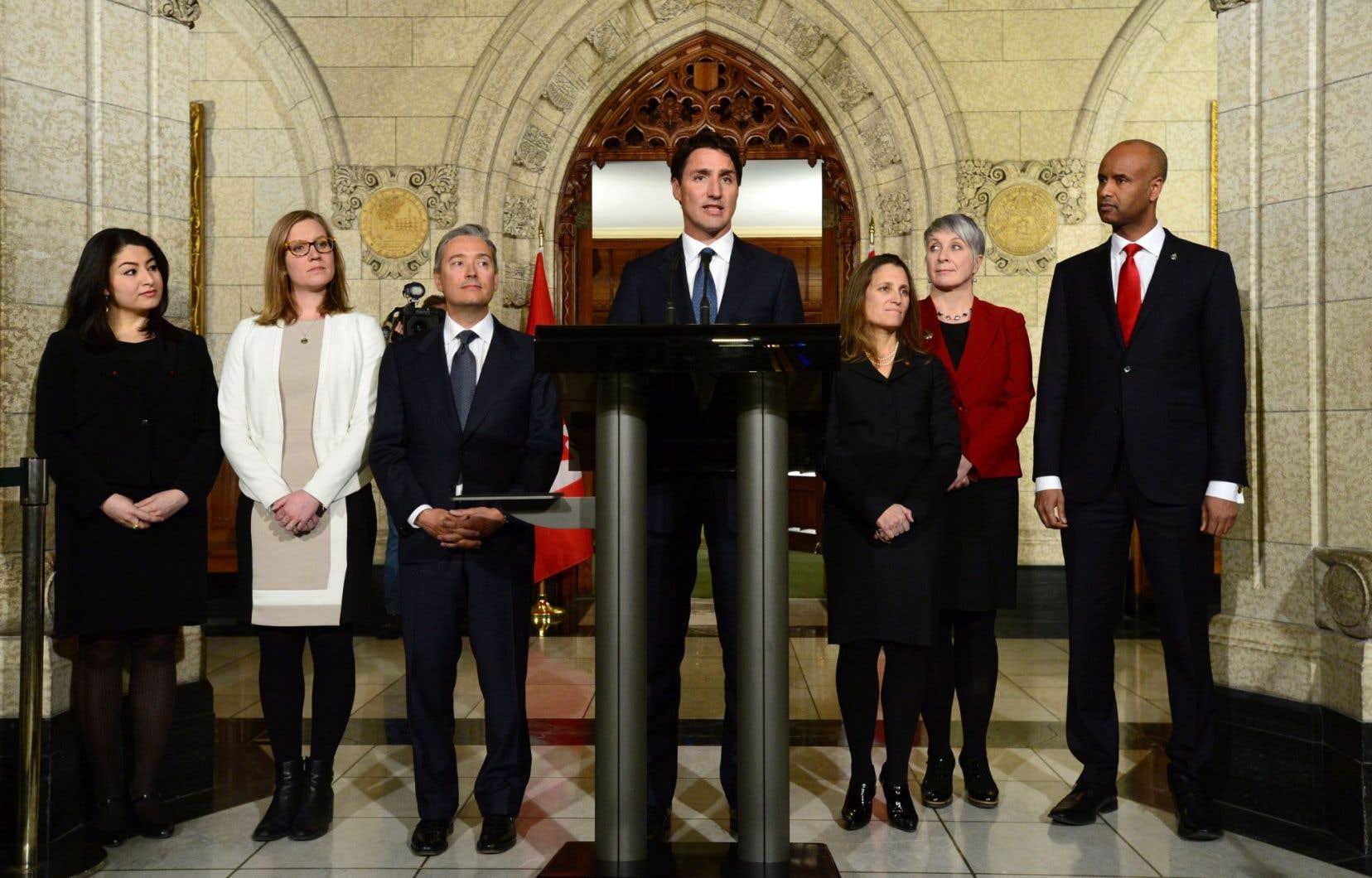 Le remaniement ministériel effectué hier après-midi par Justin Trudeau a conduit comme prévu au départ de trois ministres.