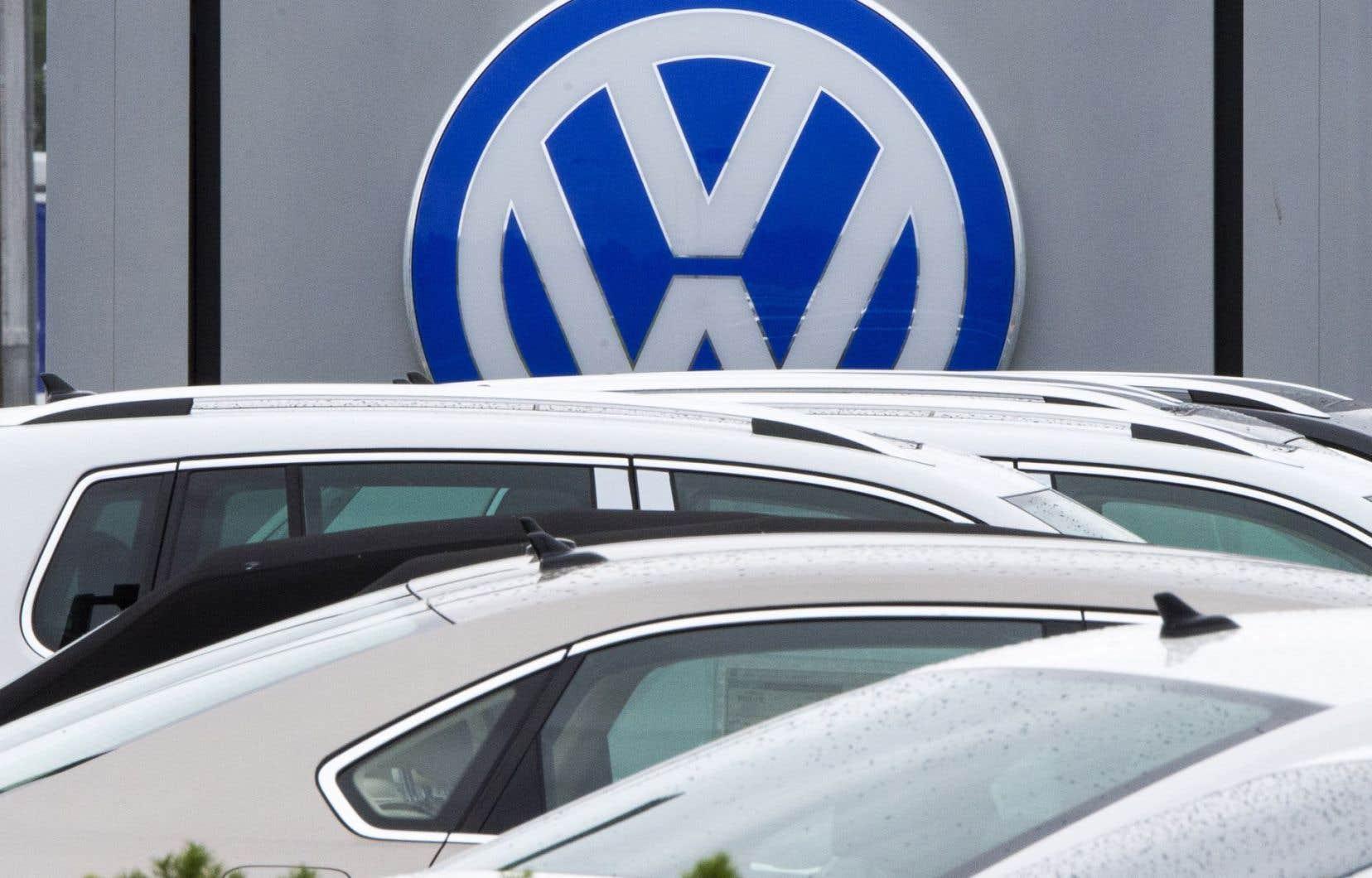 Le « dieselgate » a déjà fait fondre la capitalisation boursière de Volkswagen, a plombé ses ventes aux États-Unis, et lui a valu en 2015 sa première perte annuelle en vingt ans.