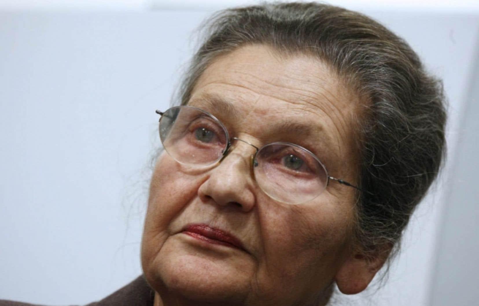 De Simone Veil, dirigeante déterminée désignée «femme préférée des Français» dans un récent sondage, les Français retiennent l'image d'une femme seule au milieu d'une assemblée d'hommes.