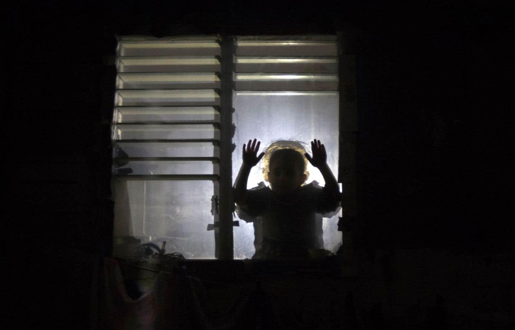 Depuis environ deux semaines, les Gazaouis les mieux lotis ne reçoivent plus que quatre heures d'électricité par jour.