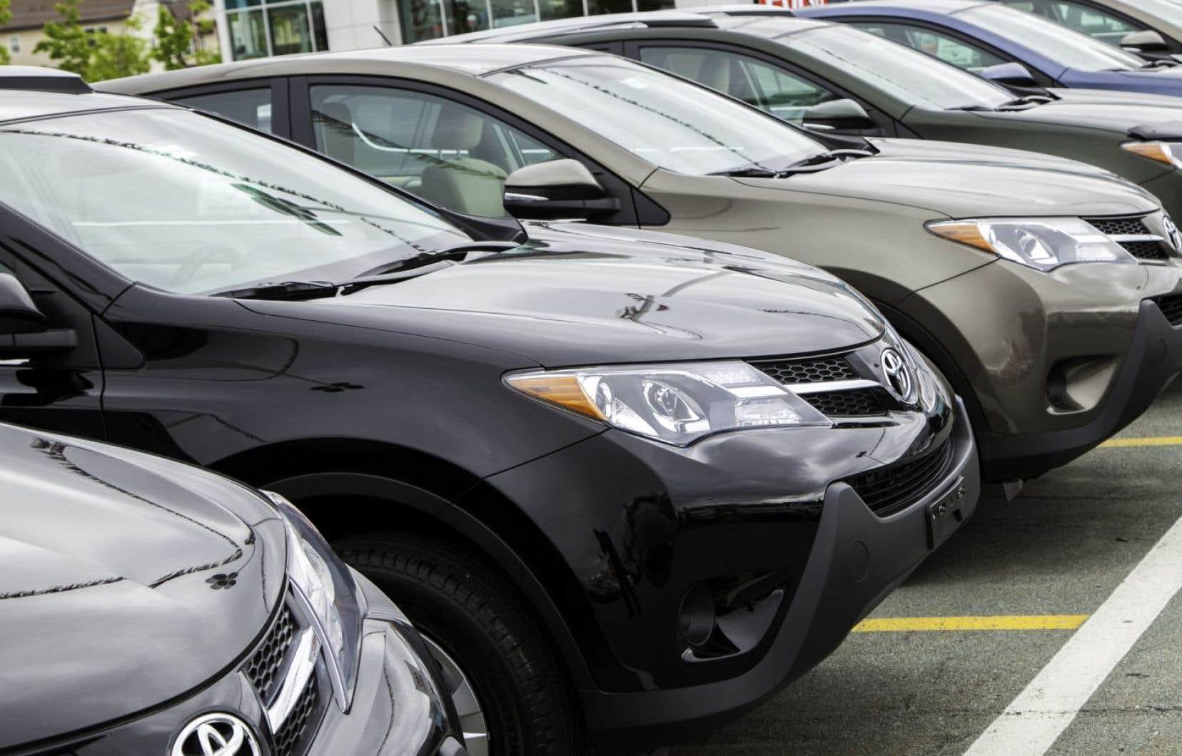 La popularité des véhicules plus énergivores est intimement liée aux faibles prix à la pompe, font valoir des experts.