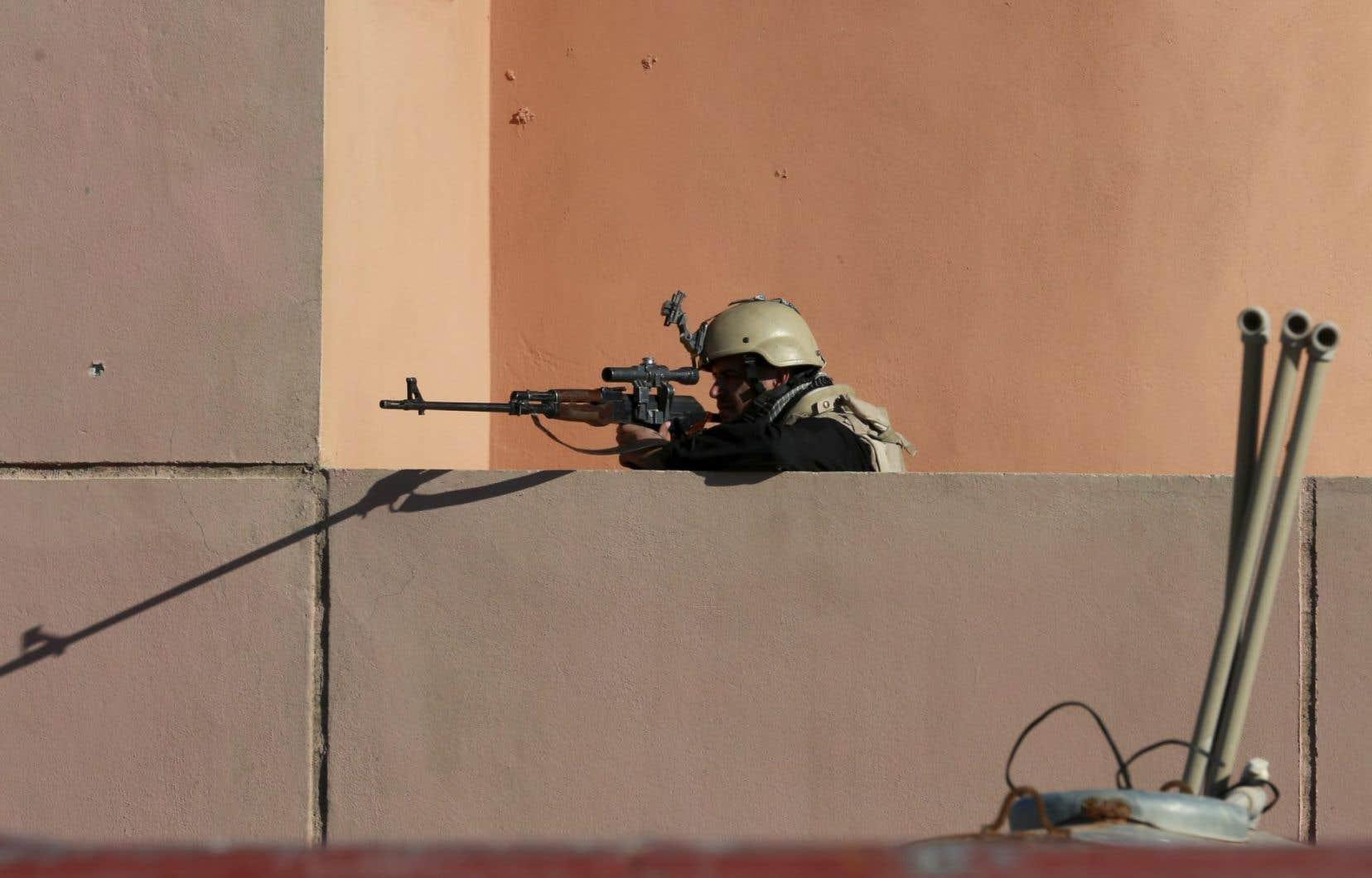 Les forces irakiennes contrôleraient toute la partie de Mossoul située à l'est du fleuve Tigre, qui coule au coeur de la ville.