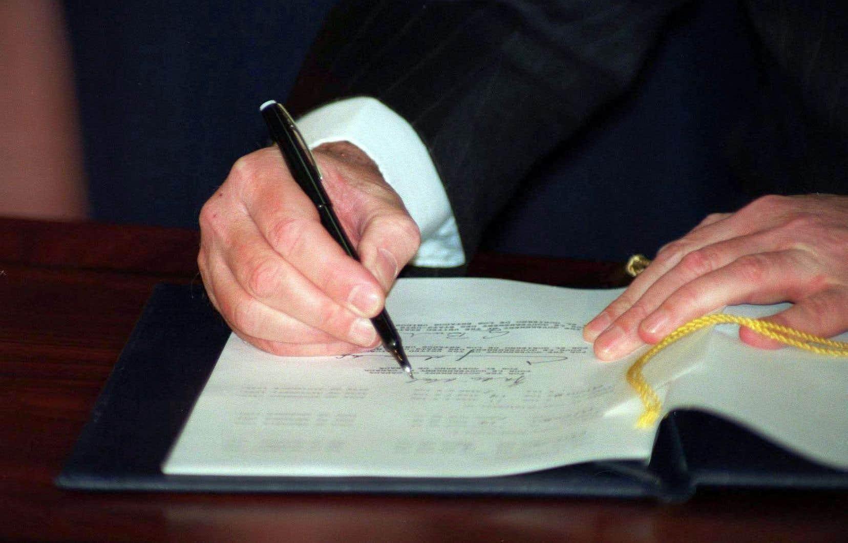En 1992, Brian Mulroney, alors premier ministre du Canada, signait l'ALENA.