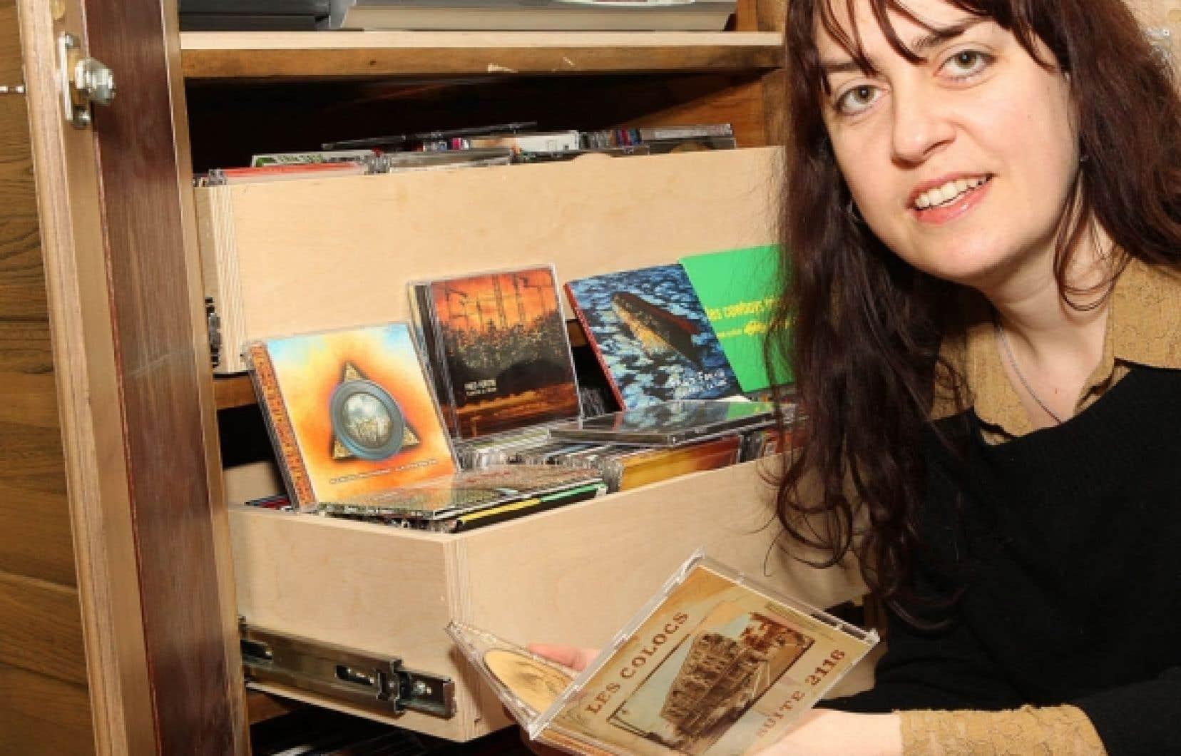 L'anthropologue Isabelle Matte constate que la chanson québécoise actuelle semble exprimer une perte du lien social, du sentiment d'appartenance.