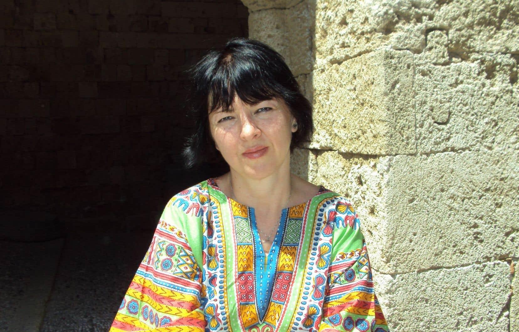 L'auteureSimona Sora