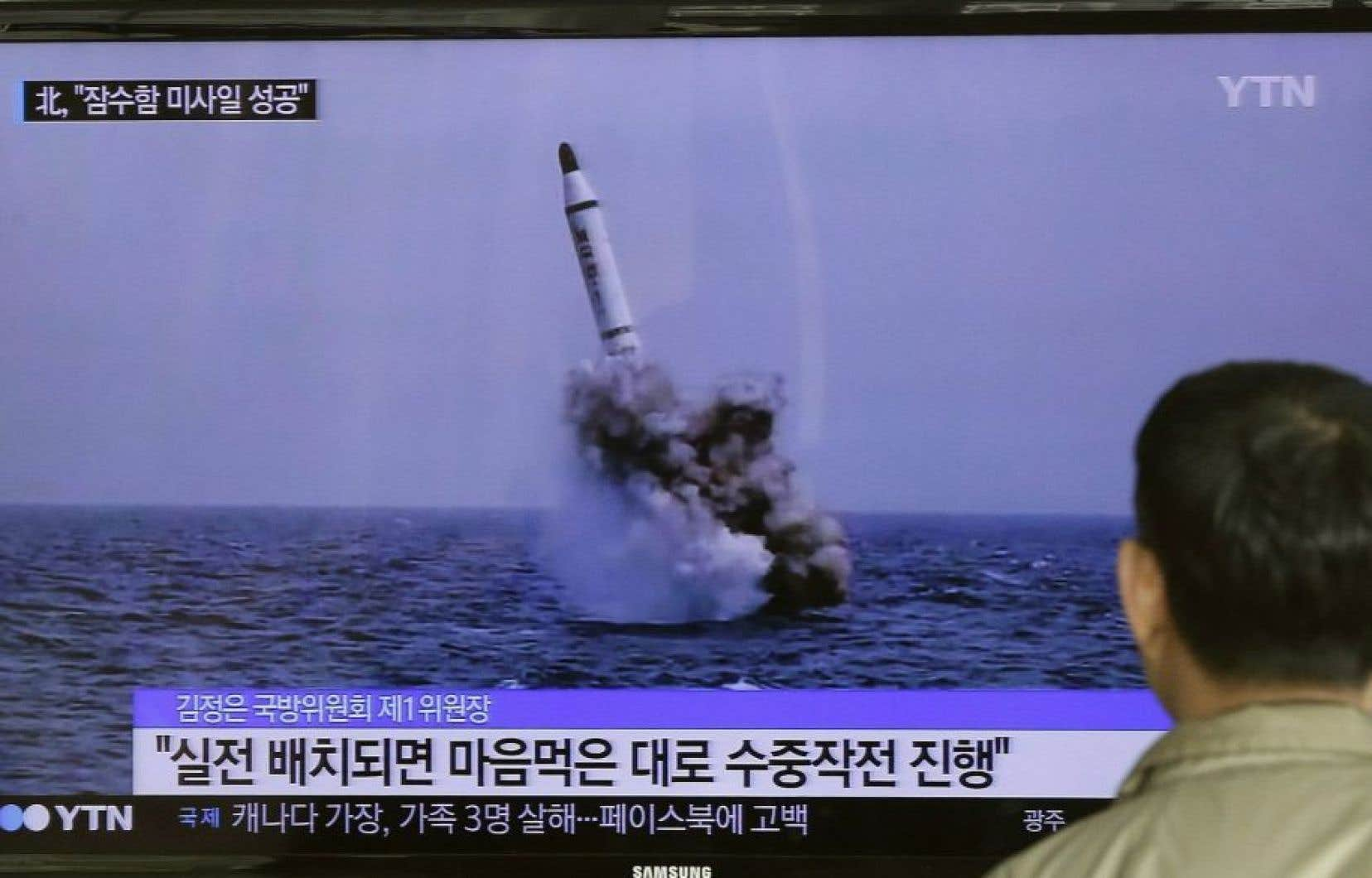 La Corée du Nord cherche à se doter de cette technologie pour être en mesure de menacer le territoire continental américain du feu nucléaire.