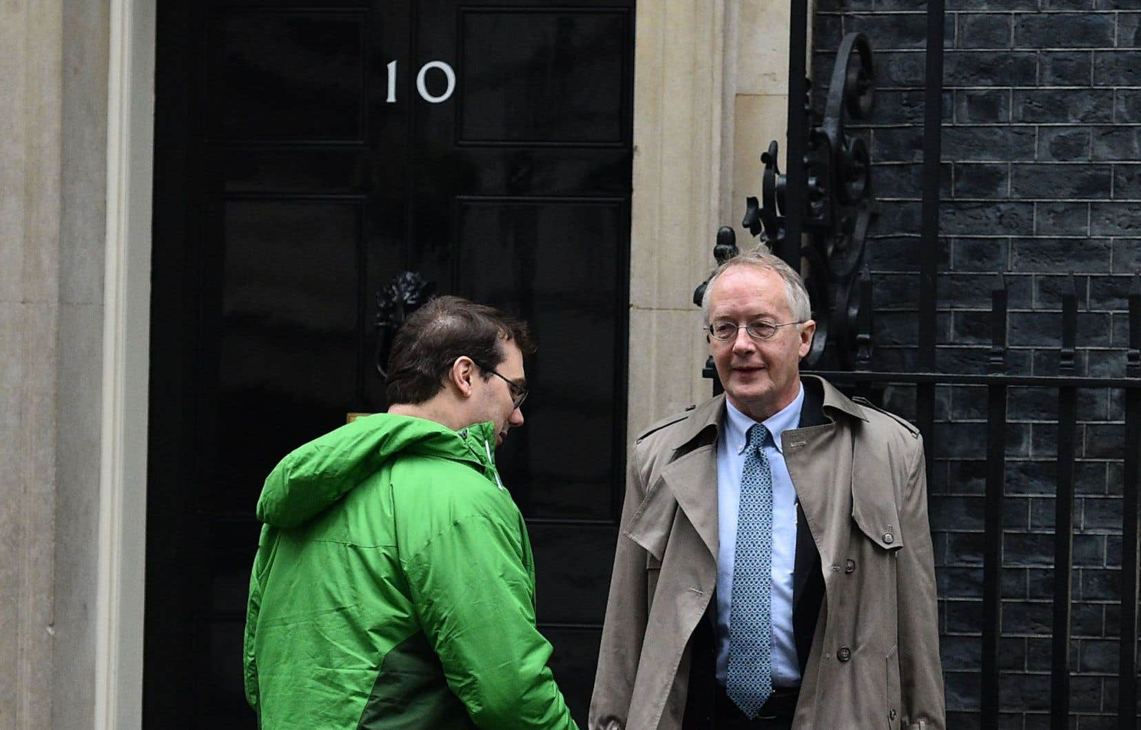 Myron Ebell (à droite) vient tout juste de retourner travailler dans le secteur privé pour un groupe opposé à la réglementation.