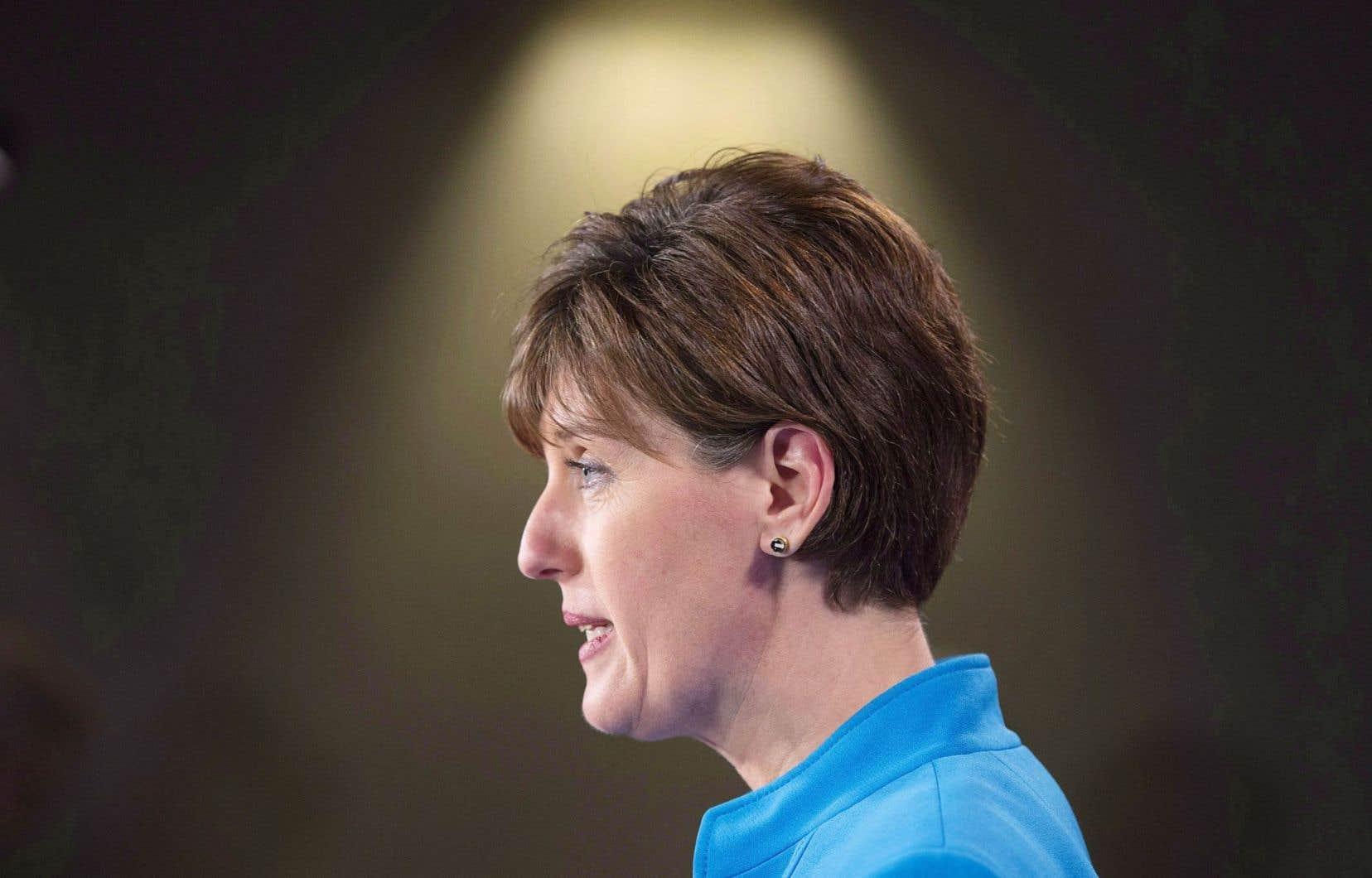 Le gouvernement libéral, par l'intermédiaire de la ministre du Développement international et de la Francophonie, Marie-Claude Bibeau, avait déjà annoncé ses couleurs en ce qui concerne une approche féministe du développement international.