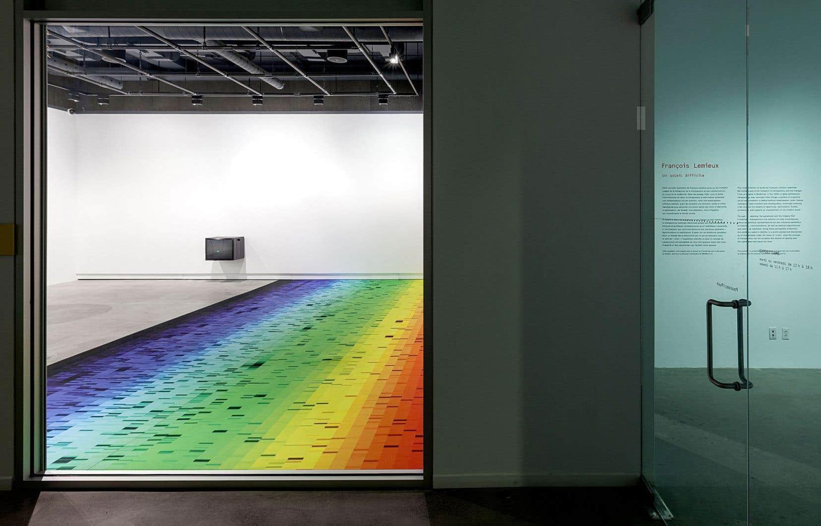 Vue de l'expositionde François Lemieux, «Un soleil difficile», chezVOX