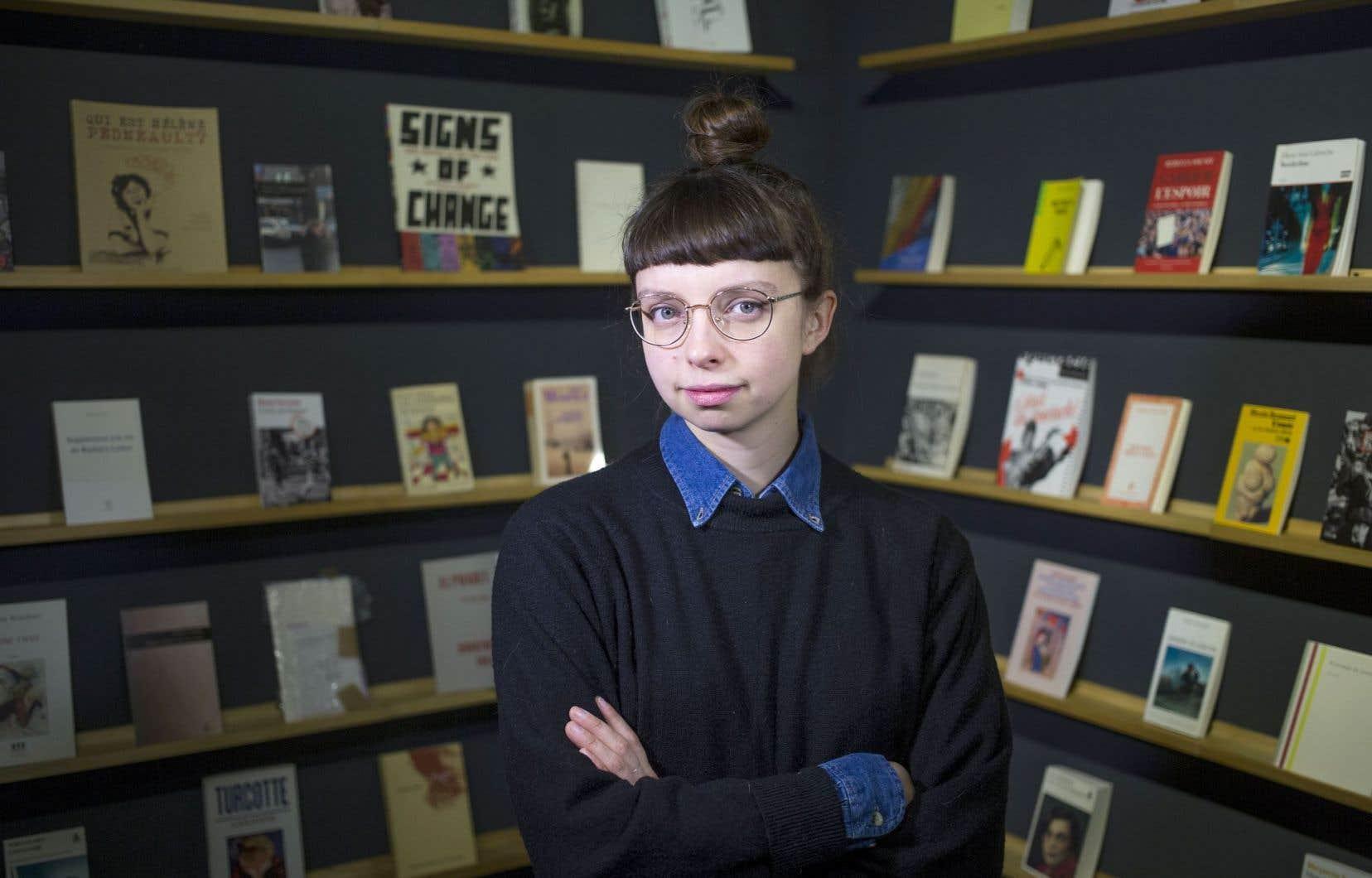 Sarah Chouinard-Poirier s'engage à lire 100 livres (ou des extraits d'eux) de femmes pendant plusieurs jours. Elle admet que le geste est symbolique, mais elle croit que de tels gestes freineront le sexisme, encore croissant.