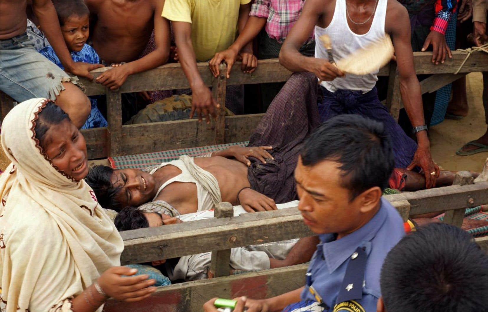 Traités comme des étrangers en Birmanie, à plus de 90% bouddhiste, les Rohingyas sont apatrides même si certains vivent dans le pays depuis des générations.