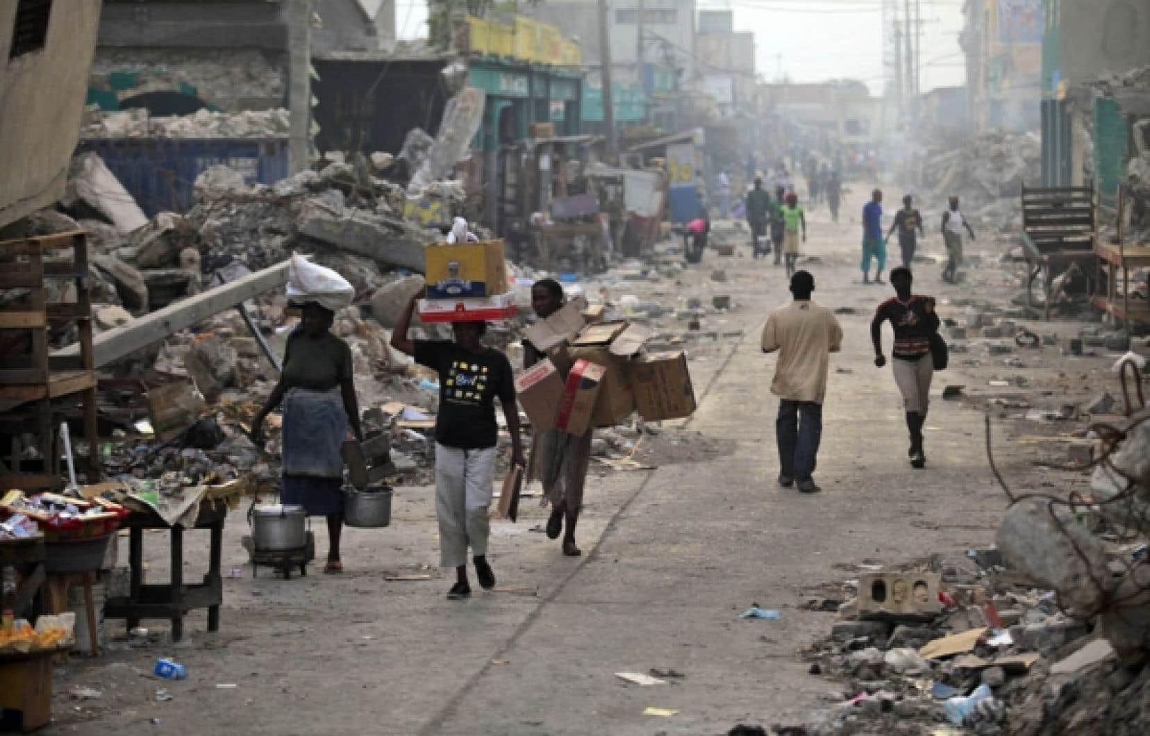 Il reste beaucoup de travail à accomplir en Haïti pour que le pays retrouve un semblant de vie normale.