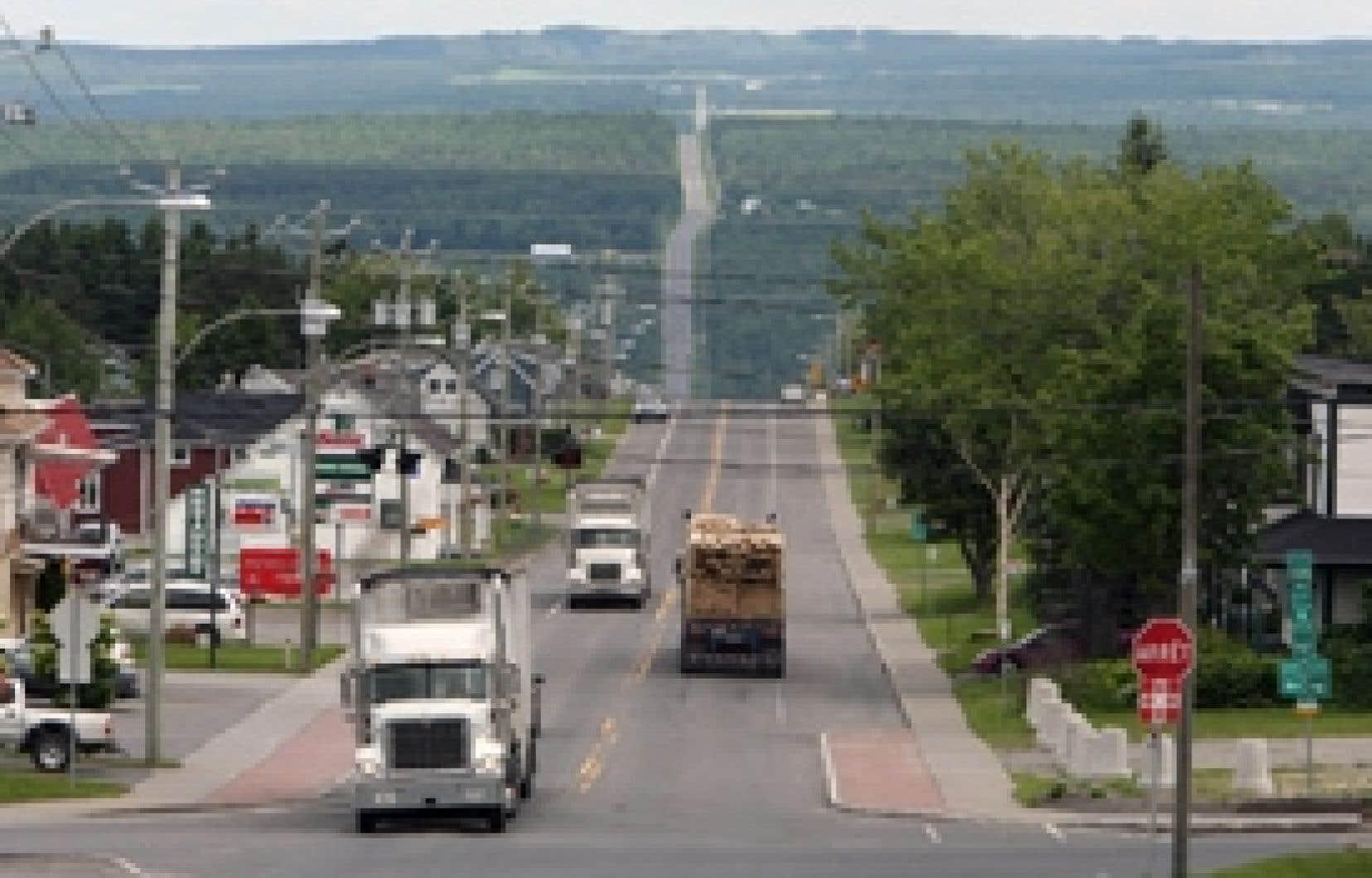 Les camions devront être équipés d'un limiteur de vitesse, réglé pour empêcher la conduite à plus de 105 km/h, dès le 1er janvier. Une période de grâce s'échelonnant jusqu'au 1er juillet 2009 est toutefois prévue.